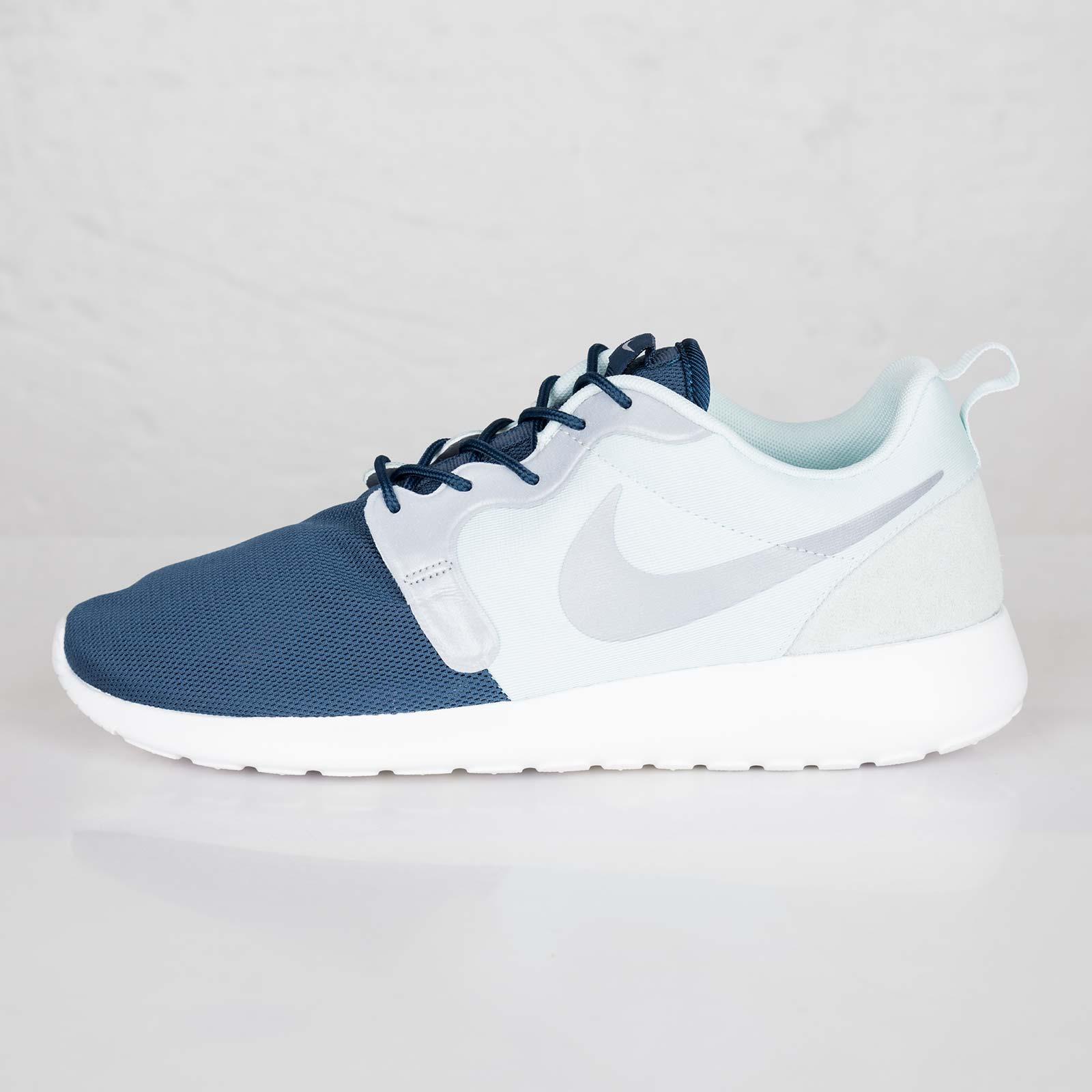 5fa34f89f0f9 Nike Rosherun Hyperfuse QS - 616325-341 - Sneakersnstuff