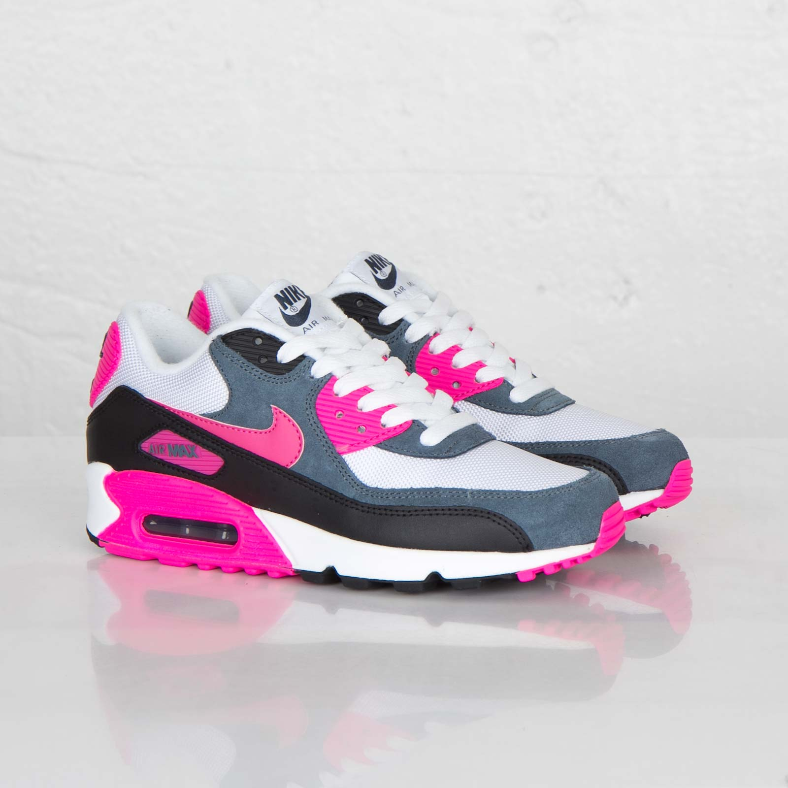 the best attitude d048a 36f08 Nike Wmns Air Max 90 Essential