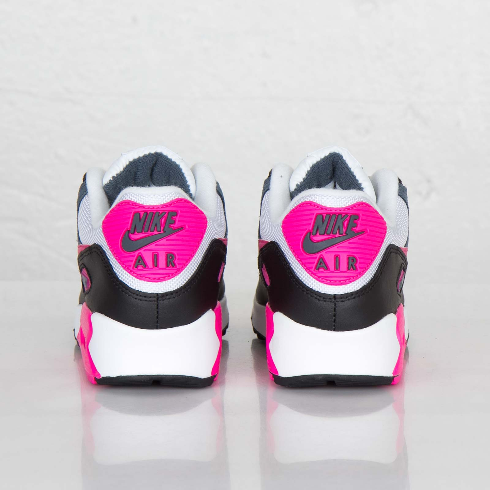 separation shoes cc1bf 29b82 Nike Wmns Air Max 90 Essential - 616730-100 - Sneakersnstuff   sneakers    streetwear online since 1999