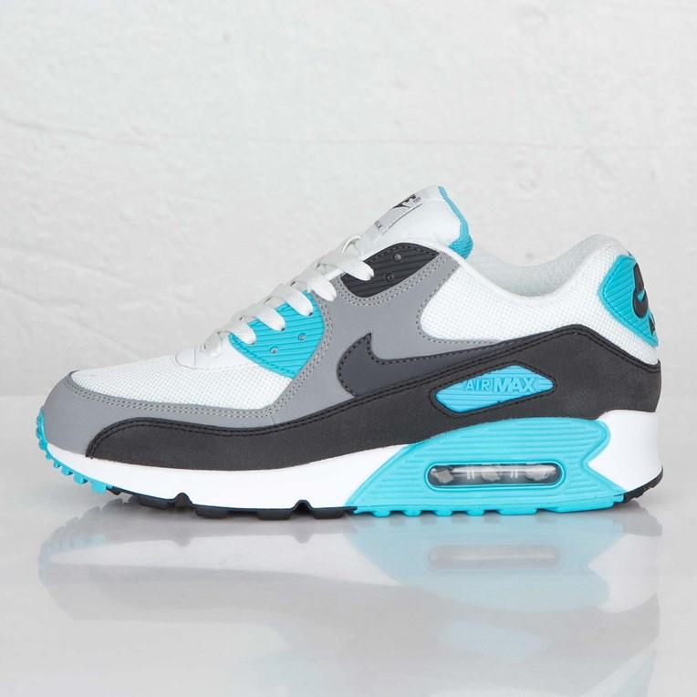 90a3160587 Nike Air Max 90 Essential - 537384-100 - Sneakersnstuff | sneakers ...