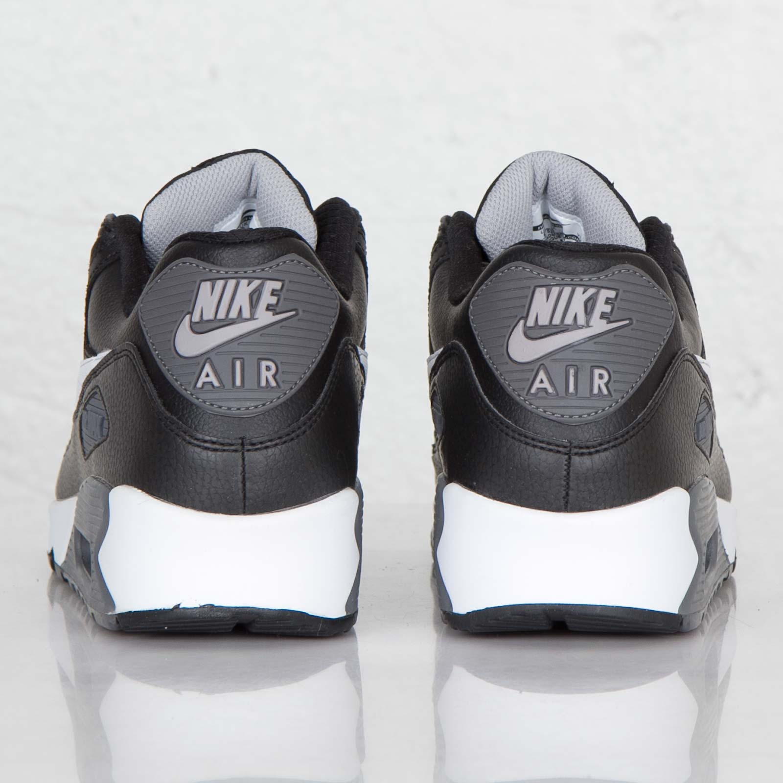 newest a99b3 95e4e Nike Air Max 90 Essential - 537384-012 - Sneakersnstuff   sneakers    streetwear online since 1999