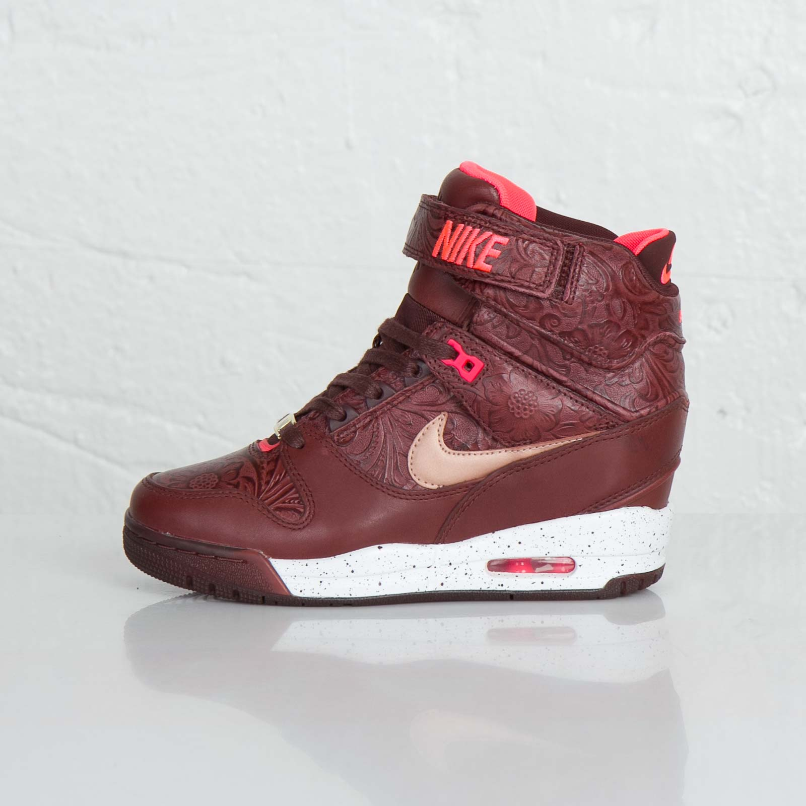 newest 0c1fc cfed1 Nike W Air Revolution Sky Hi FW QS - 633525-200 - Sneakersnstuff | sneakers  & streetwear online since 1999
