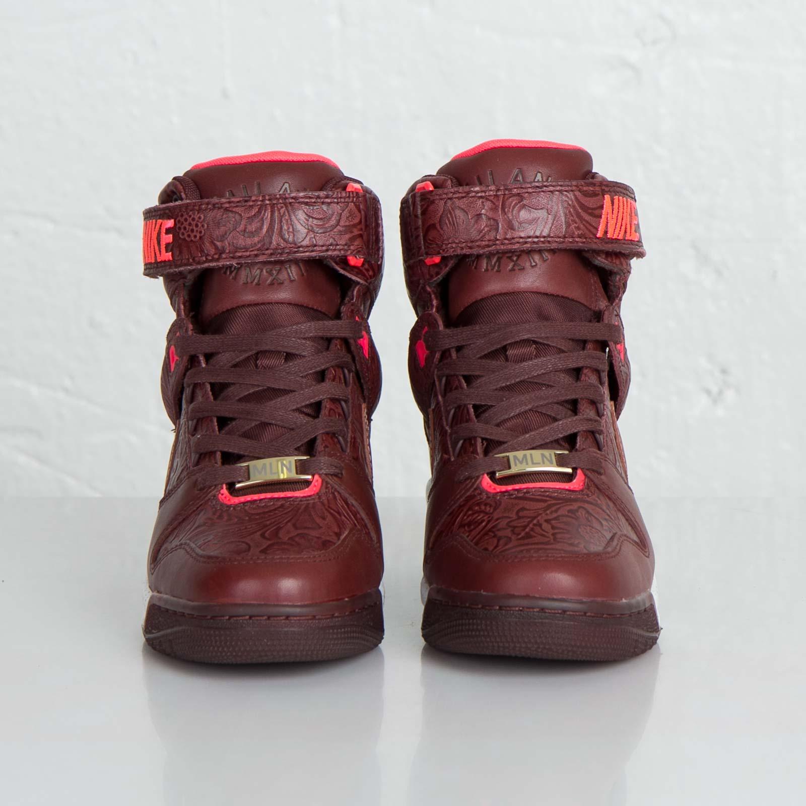 newest bdb59 fbff9 Nike W Air Revolution Sky Hi FW QS - 633525-200 - Sneakersnstuff | sneakers  & streetwear online since 1999