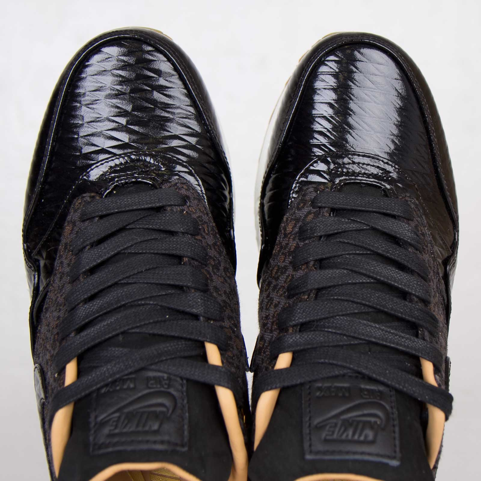 reputable site d5fe8 c1c6e Nike Air Max 1 Fb Woven Size 5.5