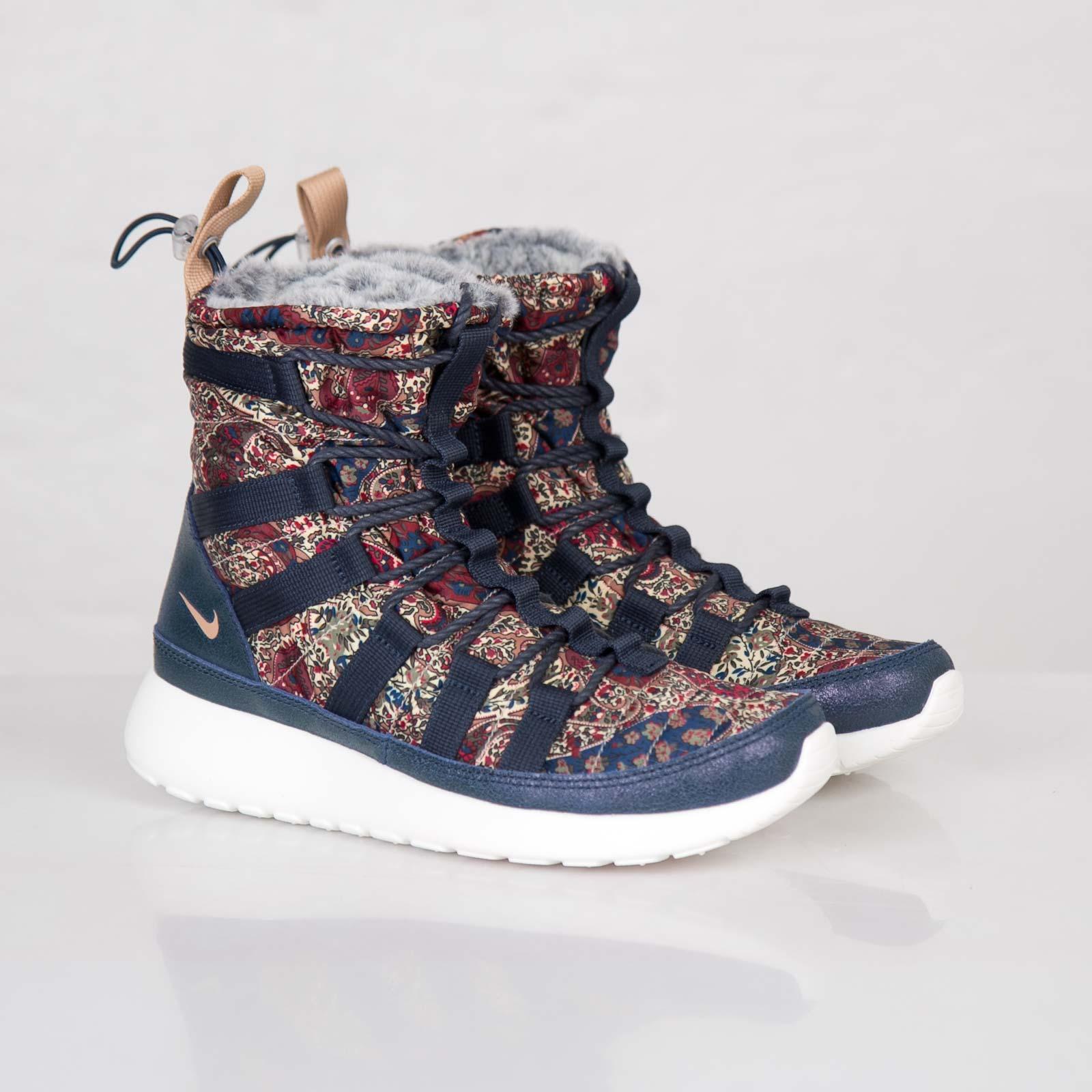 new products aaf0d 3cc17 Nike Wmns Roshe Run Hi Sneakerboot Liberty QS