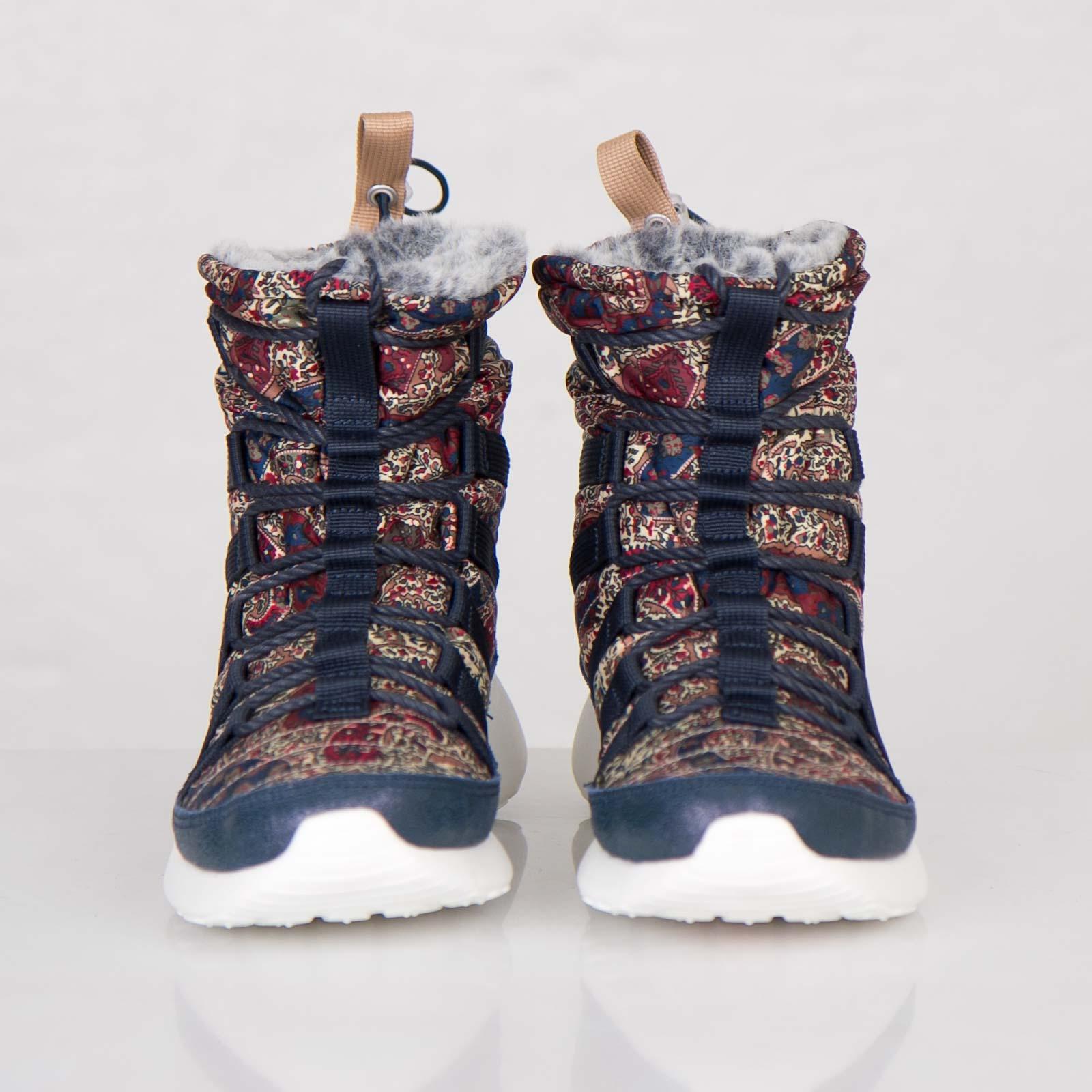 premium selection 063a1 4dec7 Nike Wmns Roshe Run Hi Sneakerboot Liberty QS - 633519-402 - Sneakersnstuff    sneakers   streetwear online since 1999