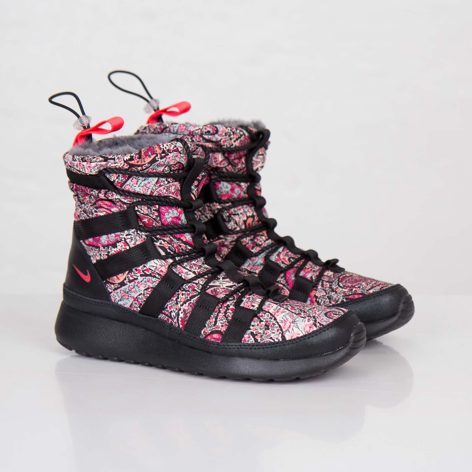 new products 335cf 69e1f Nike Wmns Roshe Run Hi Sneakerboot Liberty QS