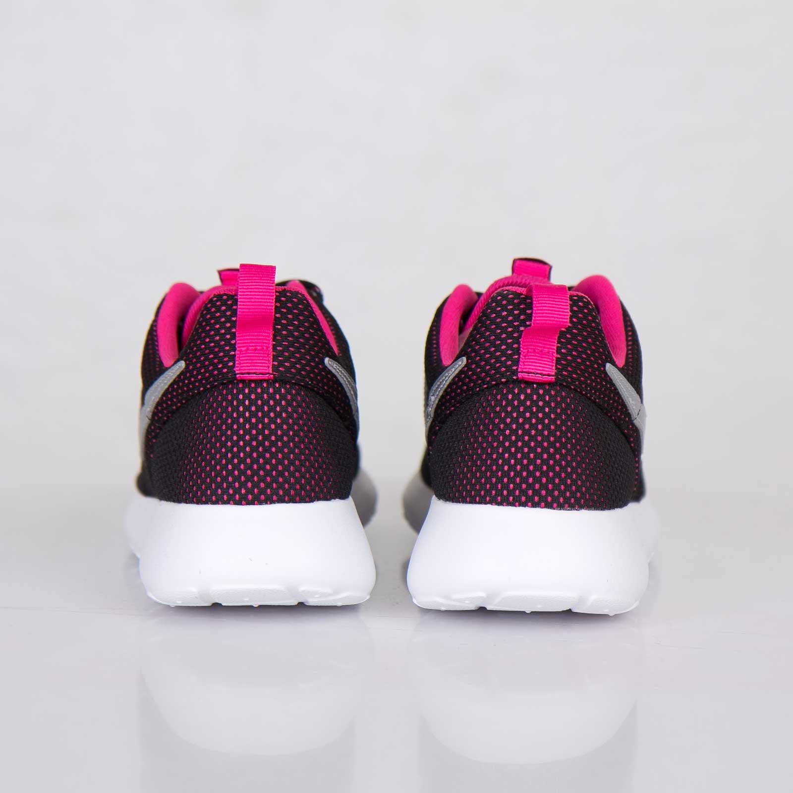 Nike Roshe Run (GS) 599729 002 Sneakersnstuff sneakers