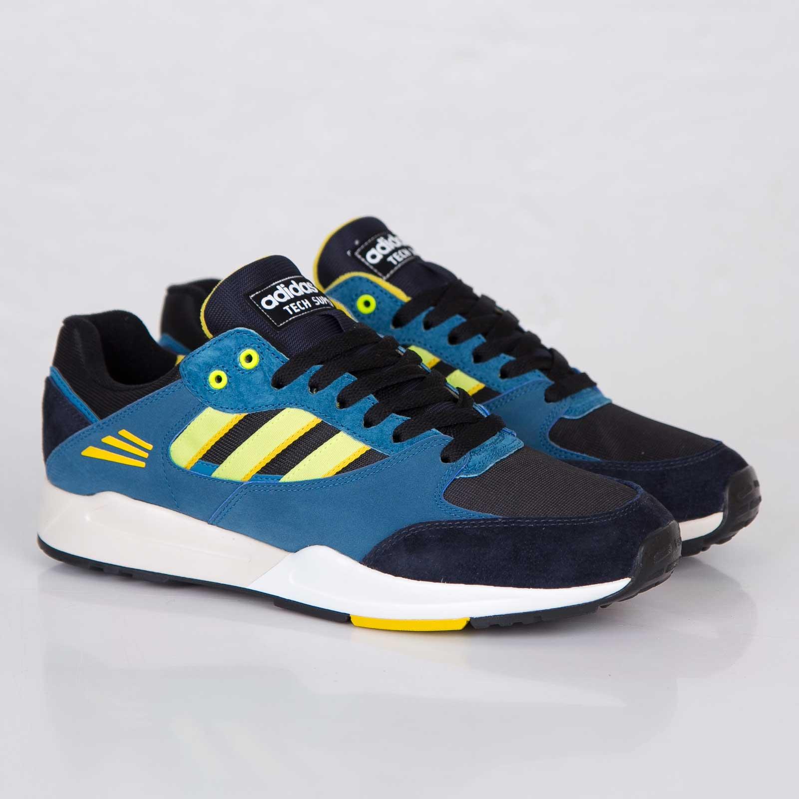 sports shoes 9cd27 b175d adidas Tech Super