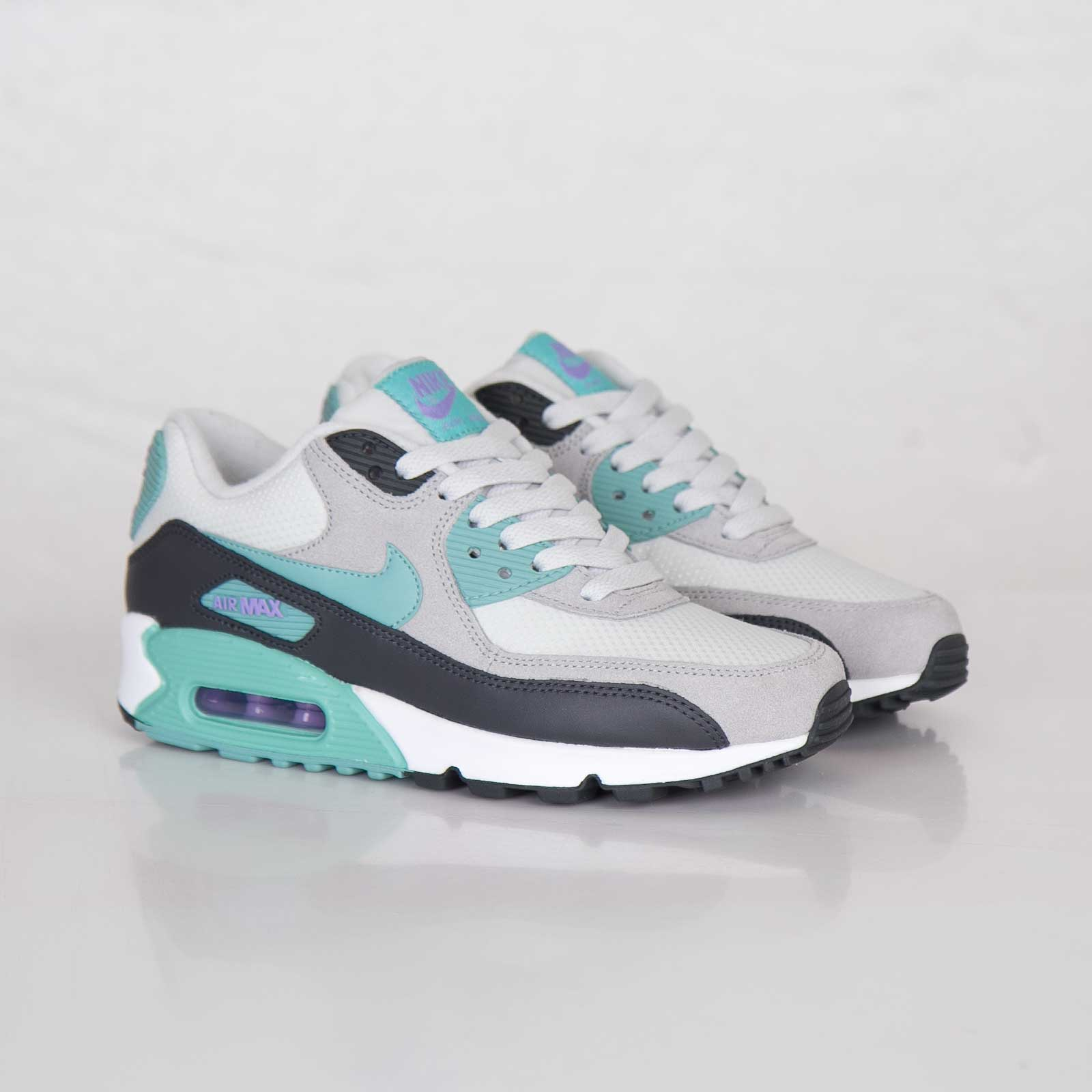 competitive price 30f87 d6ac0 ... authentic nike wmns air max 90 essential 38843 bce5e