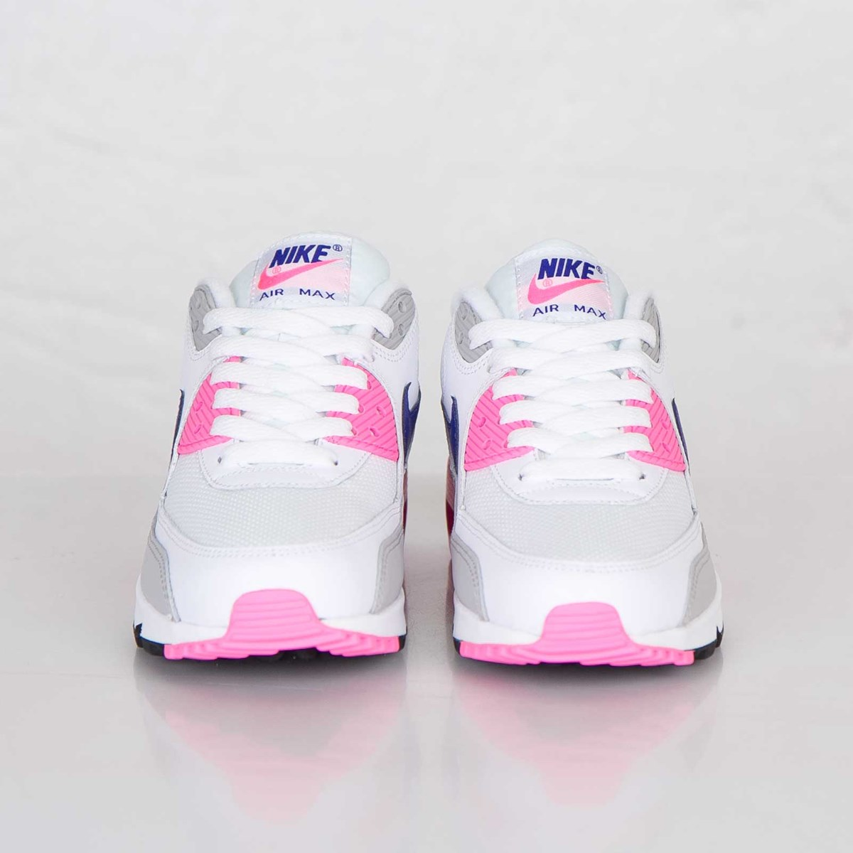 81565ff01919 Nike Wmns Air Max 90 Essential - 616730-104 - Sneakersnstuff ...