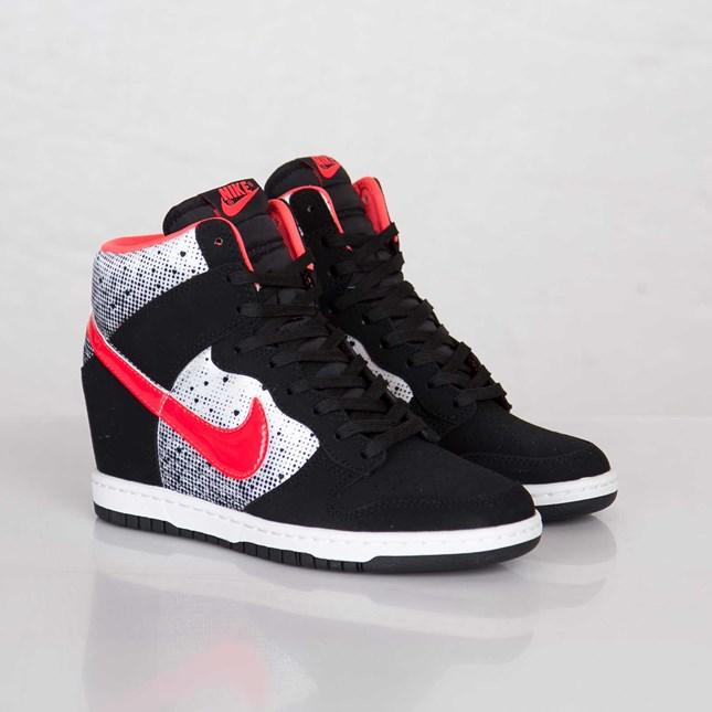 Nike Wmns Dunk Sky Hi QOH