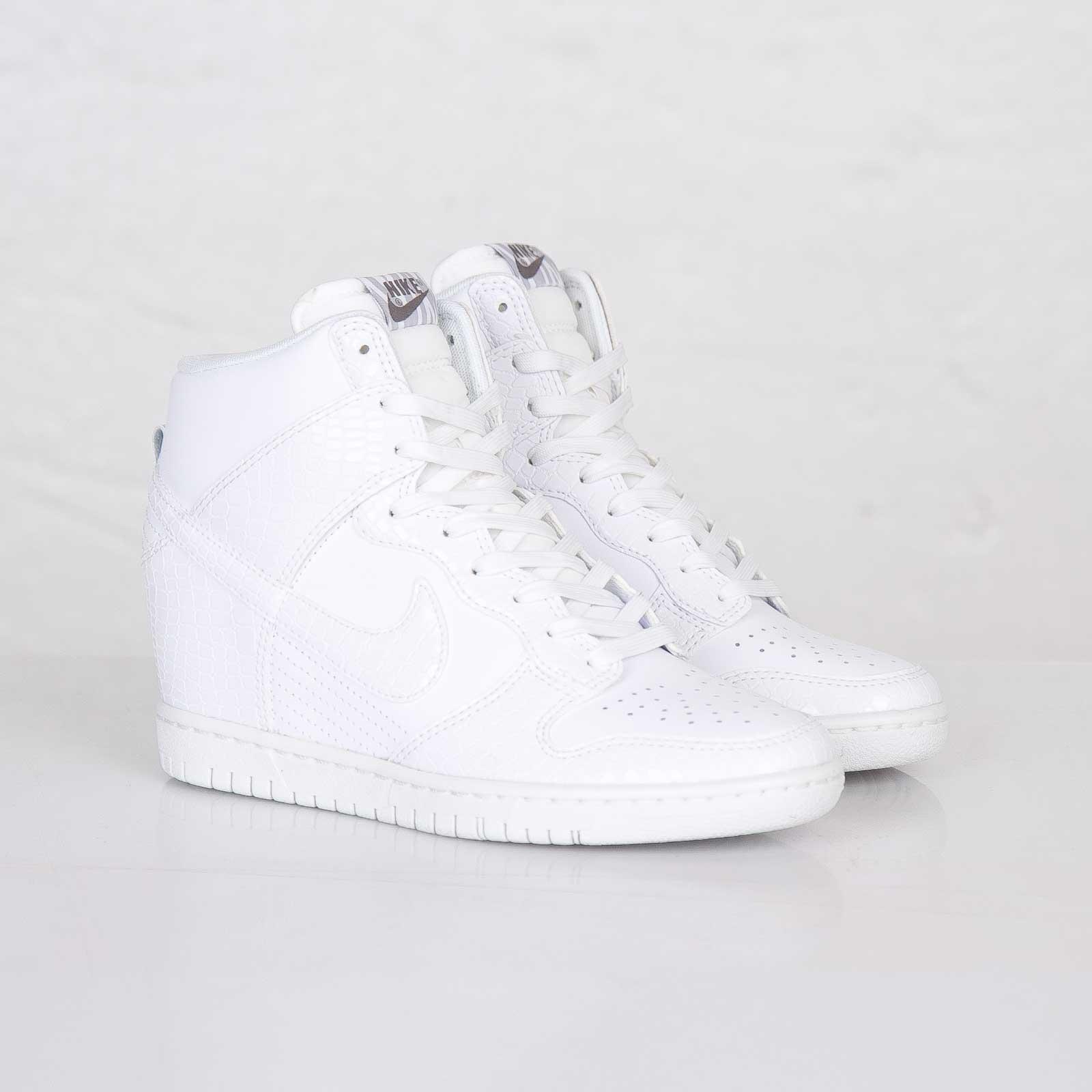 Nike Wmns Dunk Sky Hi - 528899-105 - Sneakersnstuff  911349dc66