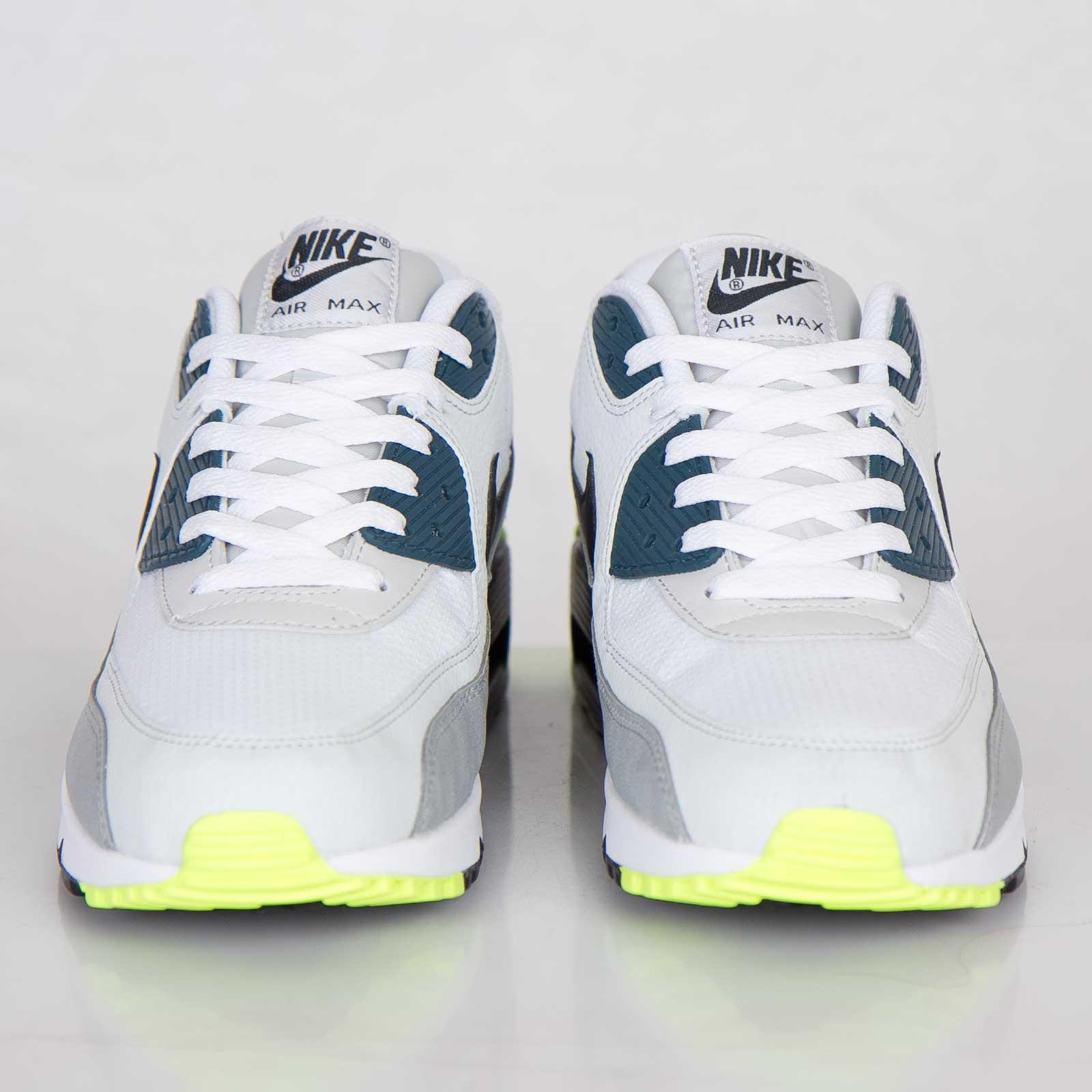 Nike Air Max 90 Essential 537384 105 Sneakersnstuff