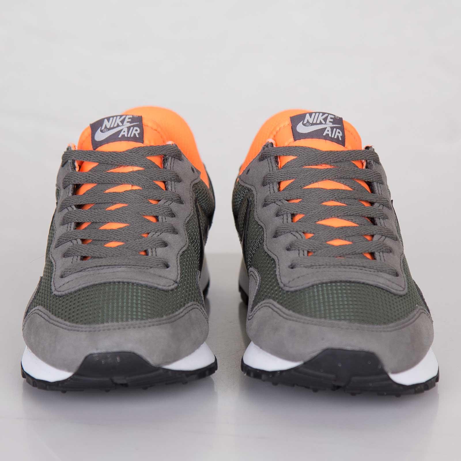 c7b702becb6 Nike Air Pegasus 83 - 599124-008 - Sneakersnstuff