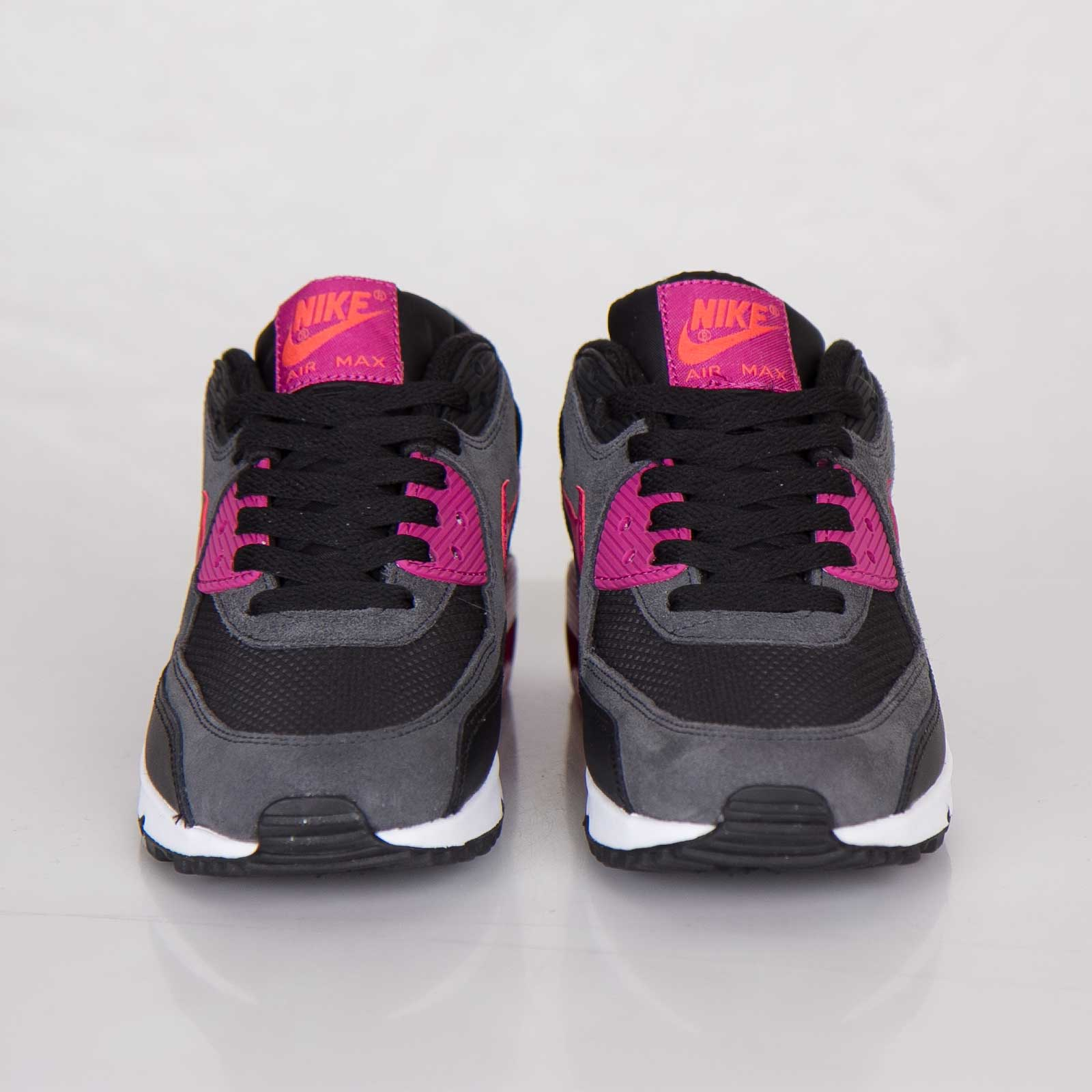 the latest 5b5d6 67a9f Nike Wmns Air Max 90 Essential - 616730-005 - Sneakersnstuff   sneakers    streetwear online since 1999