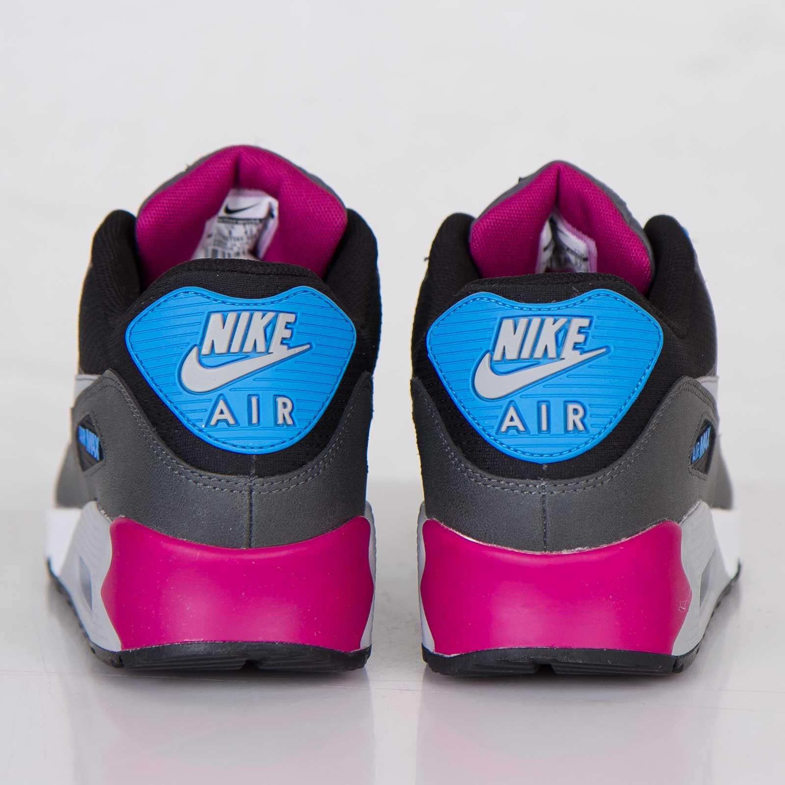 premium selection 7fca3 79eb1 Nike Air Max 90 Essential - 537384-009 - Sneakersnstuff   sneakers    streetwear online since 1999