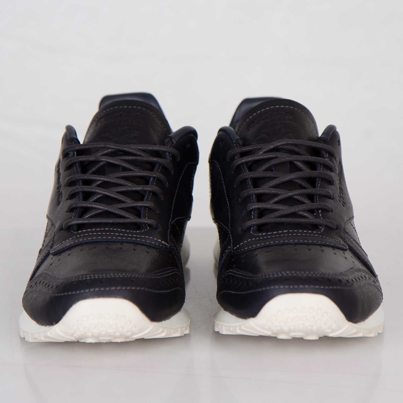 38d0d56cbcdf5 ... Reebok Classic Leather Lux CF Stead Reebok Classic Leather Lux CF Stead  .