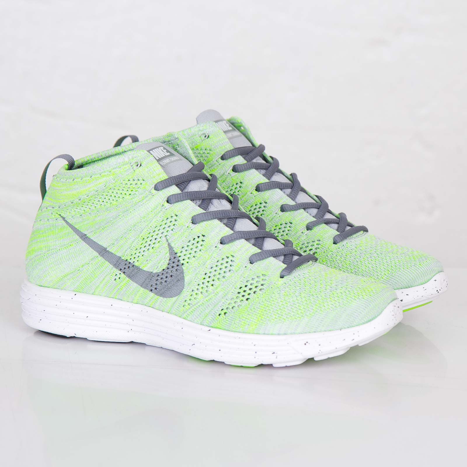 f90149fe959d Nike Lunar Flyknit Chukka - 554969-011 - Sneakersnstuff