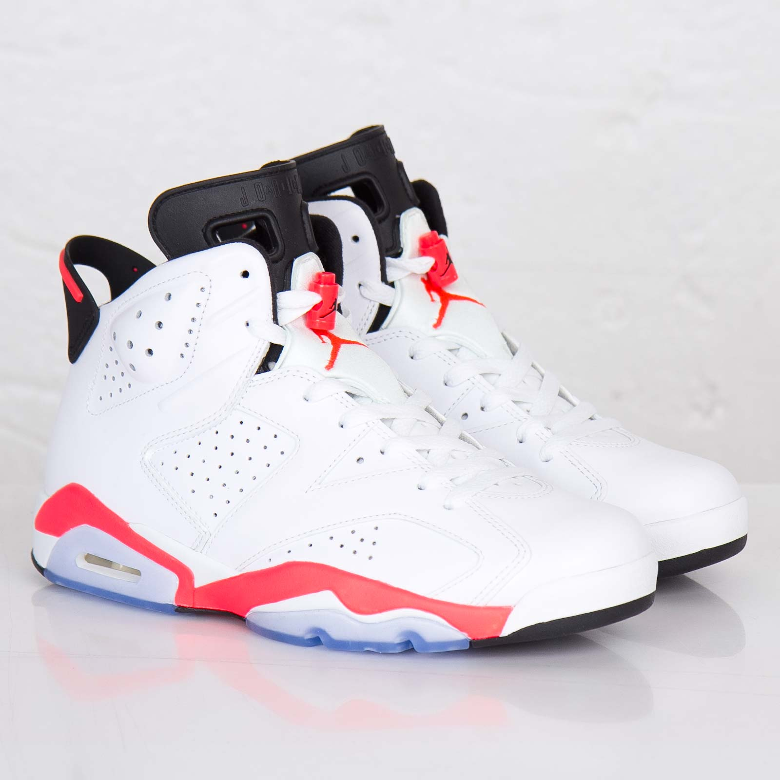 Jordan Brand Air Jordan 6 Retro - 384664-123 - Sneakersnstuff ... 31f97d272e989