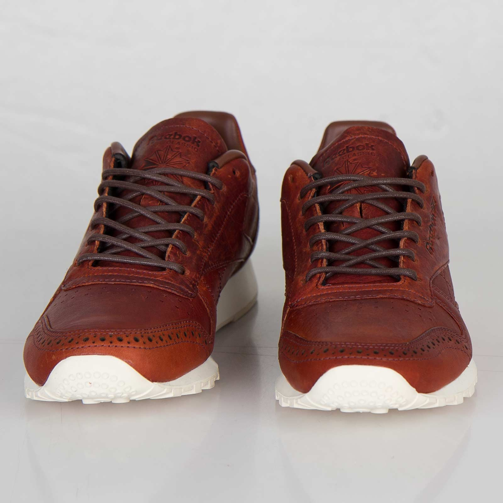4efeea9eb3341 Reebok Classic Leather Lux CF Stead - V55142 - Sneakersnstuff ...