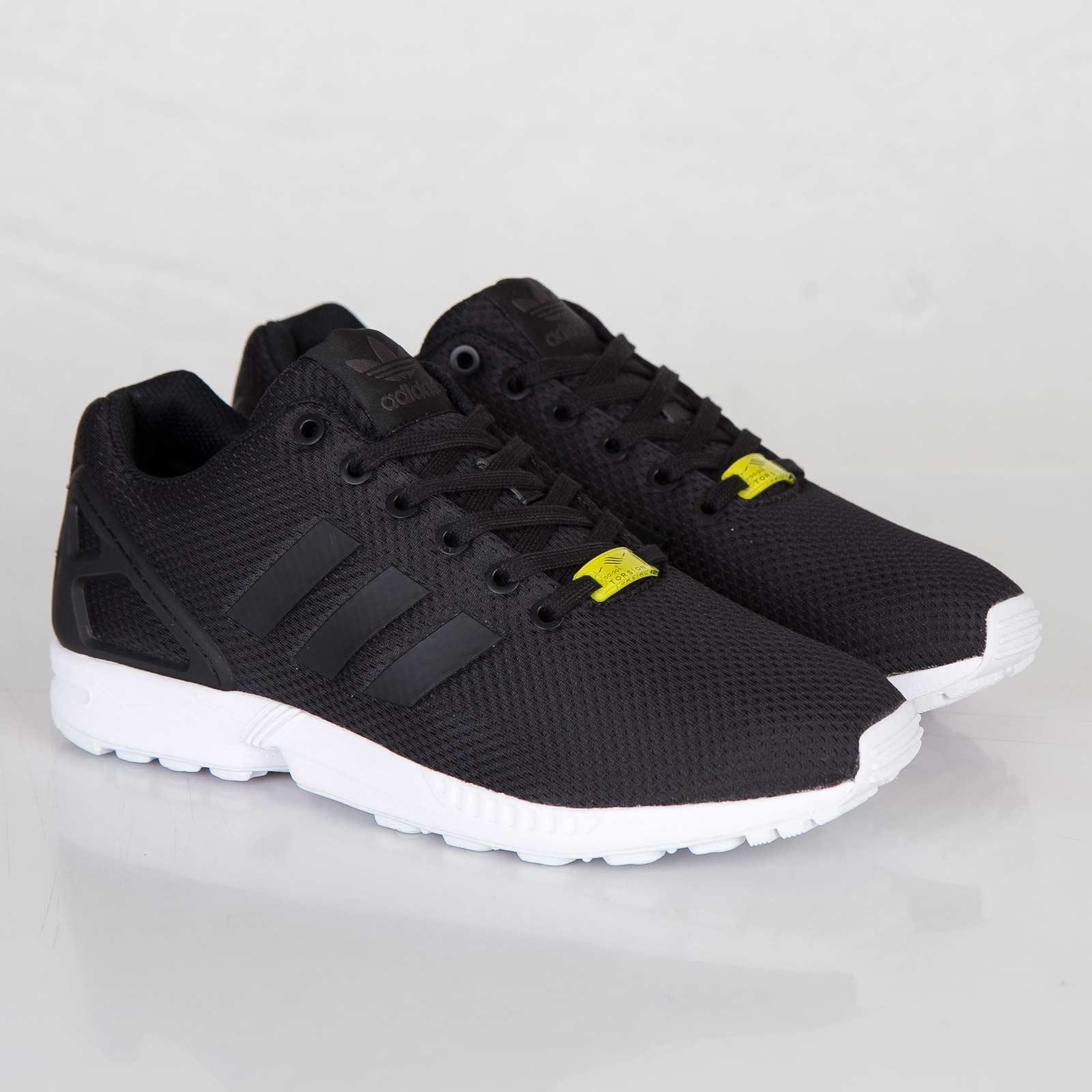 outlet store 990c0 a4132 ... noir blanc b8ef2 16eef shop adidas zx flux 80c84 da881 ...