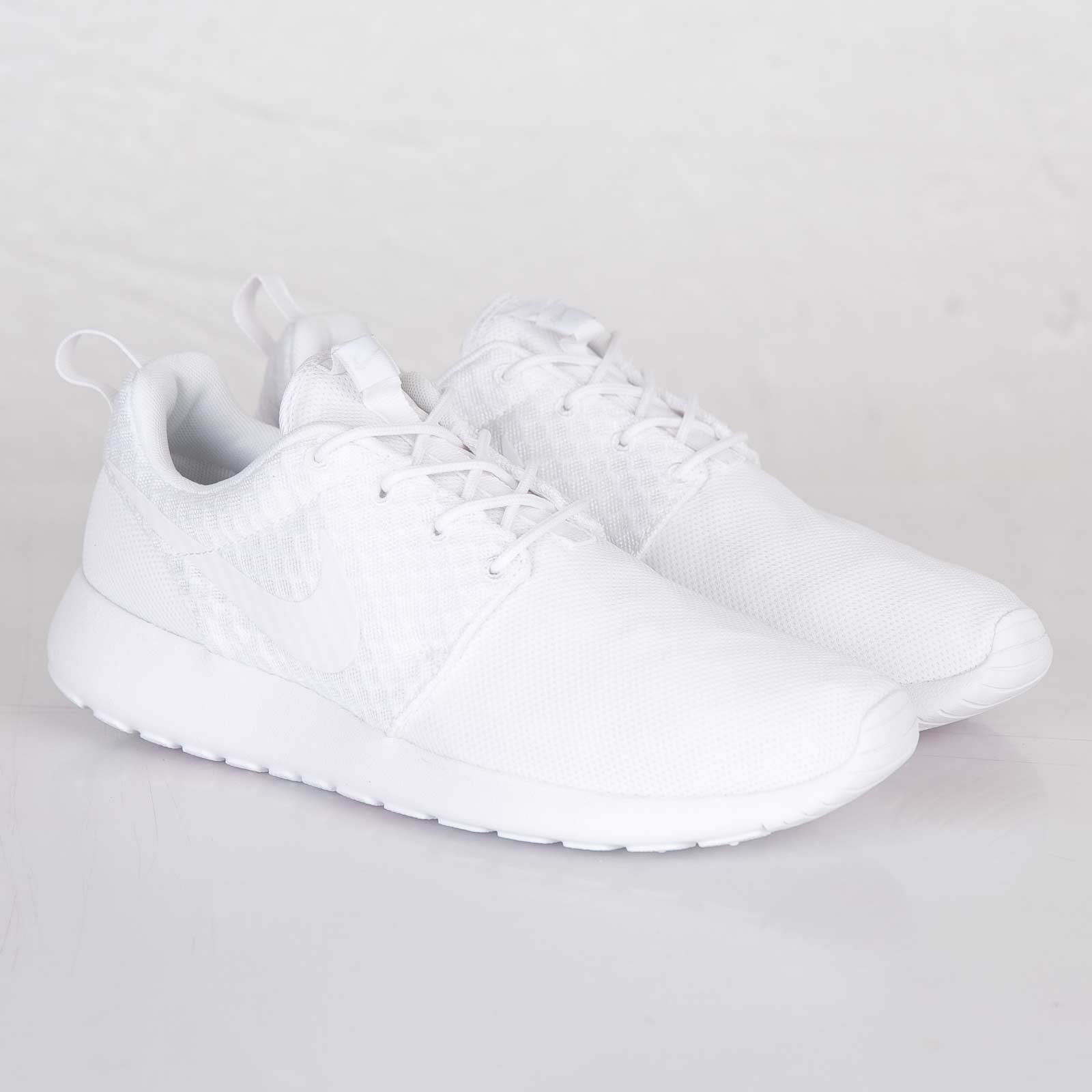 best service 7ea03 37043 roshe run dam vit. Nike Roshe Run