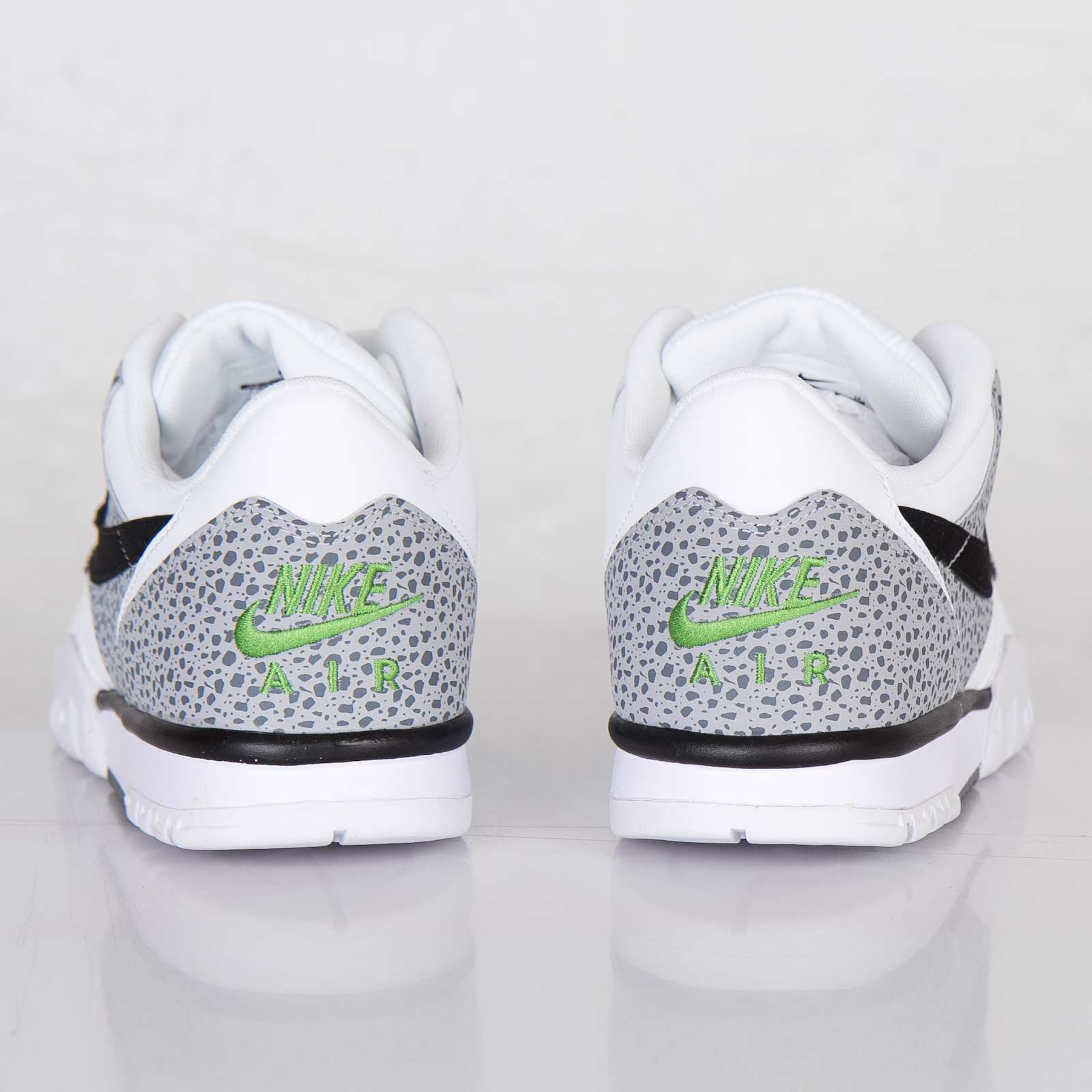 differently 8ddf3 d4517 Nike Air Trainer 1 Low St - 637995-100 - Sneakersnstuff   sneakers   streetwear  online since 1999