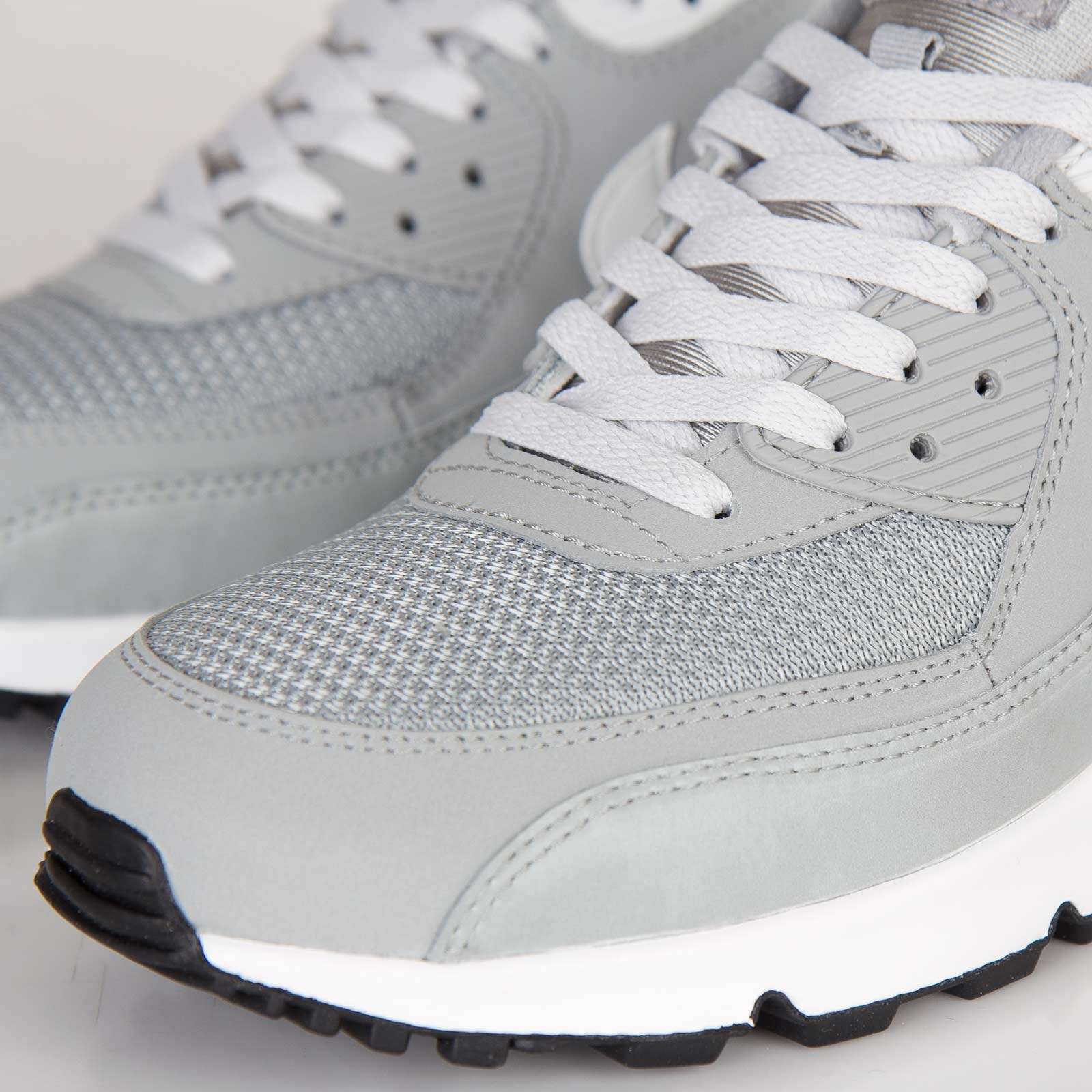 online retailer 4e914 d97a2 Nike Air Max 90 Essential - 537384-028 - Sneakersnstuff   sneakers    streetwear online since 1999
