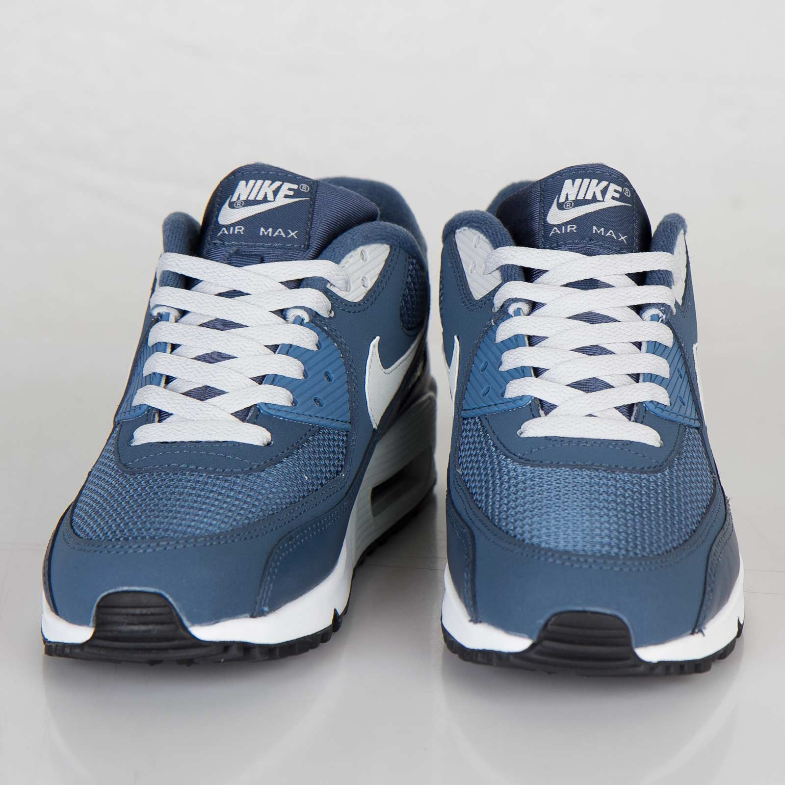 low cost 70e3b df8a1 Nike Air Max 90 Essential - 537384-405 - Sneakersnstuff   sneakers    streetwear online since 1999