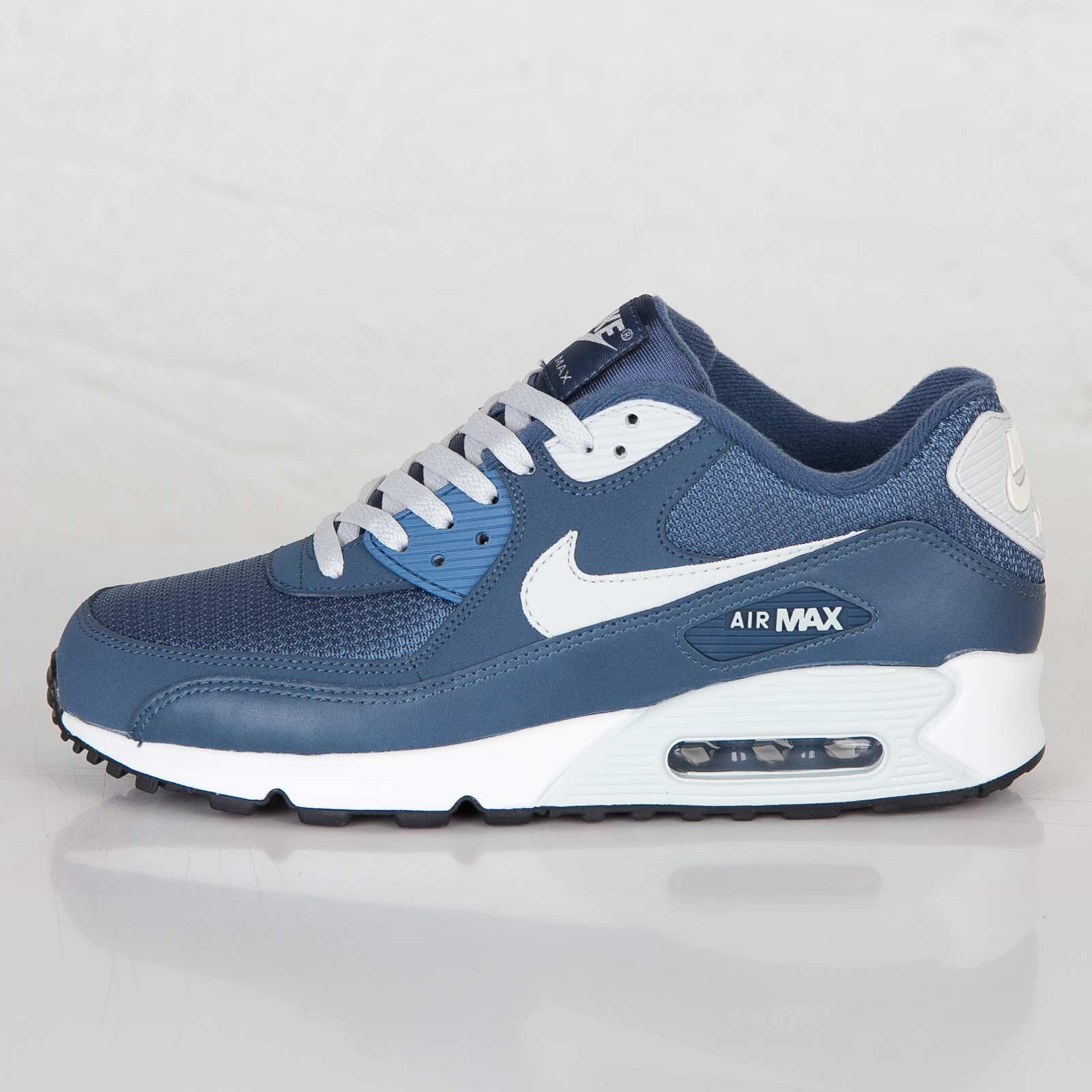 nike air max 90 essential trainers blue