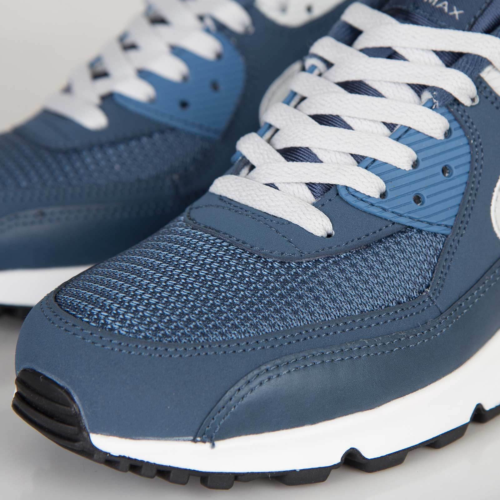 low cost 2a54e 86ce5 Nike Air Max 90 Essential - 537384-405 - Sneakersnstuff   sneakers    streetwear online since 1999