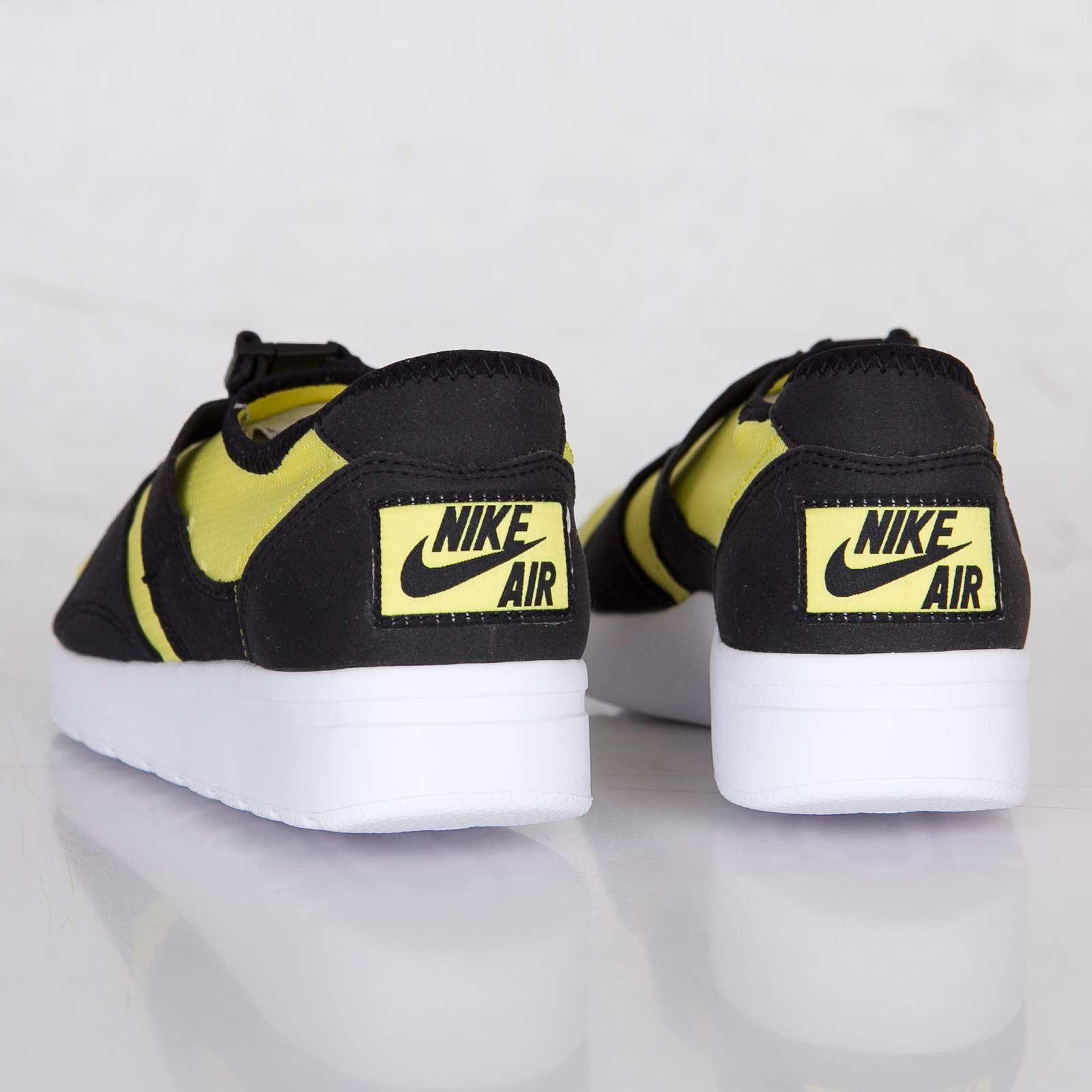 Regan infancia cuero  Nike Sock Racer SP - 677738-700 - Sneakersnstuff | sneakers & streetwear  online since 1999