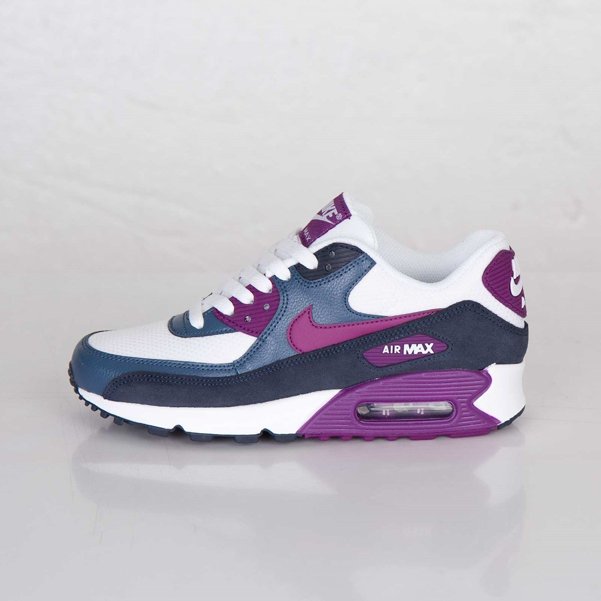 reputable site 3ccf6 90291 Nike Wmns Air Max 90 Essential - 616730-107 - Sneakersnstuff  sneakers   streetwear online since 1999