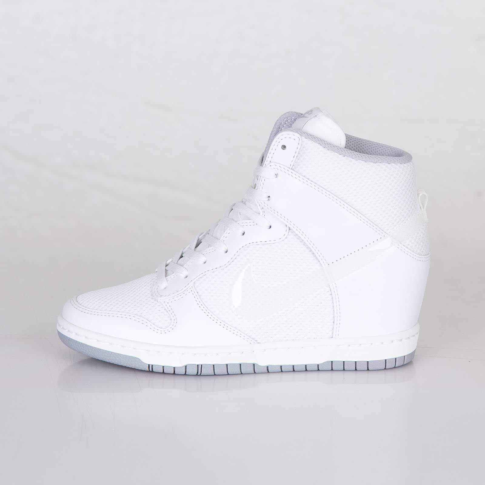 new products 3a6a5 6e38e Nike Wmns Dunk Sky Hi Essential - 644877-100 - Sneakersnstuff   sneakers    streetwear online since 1999