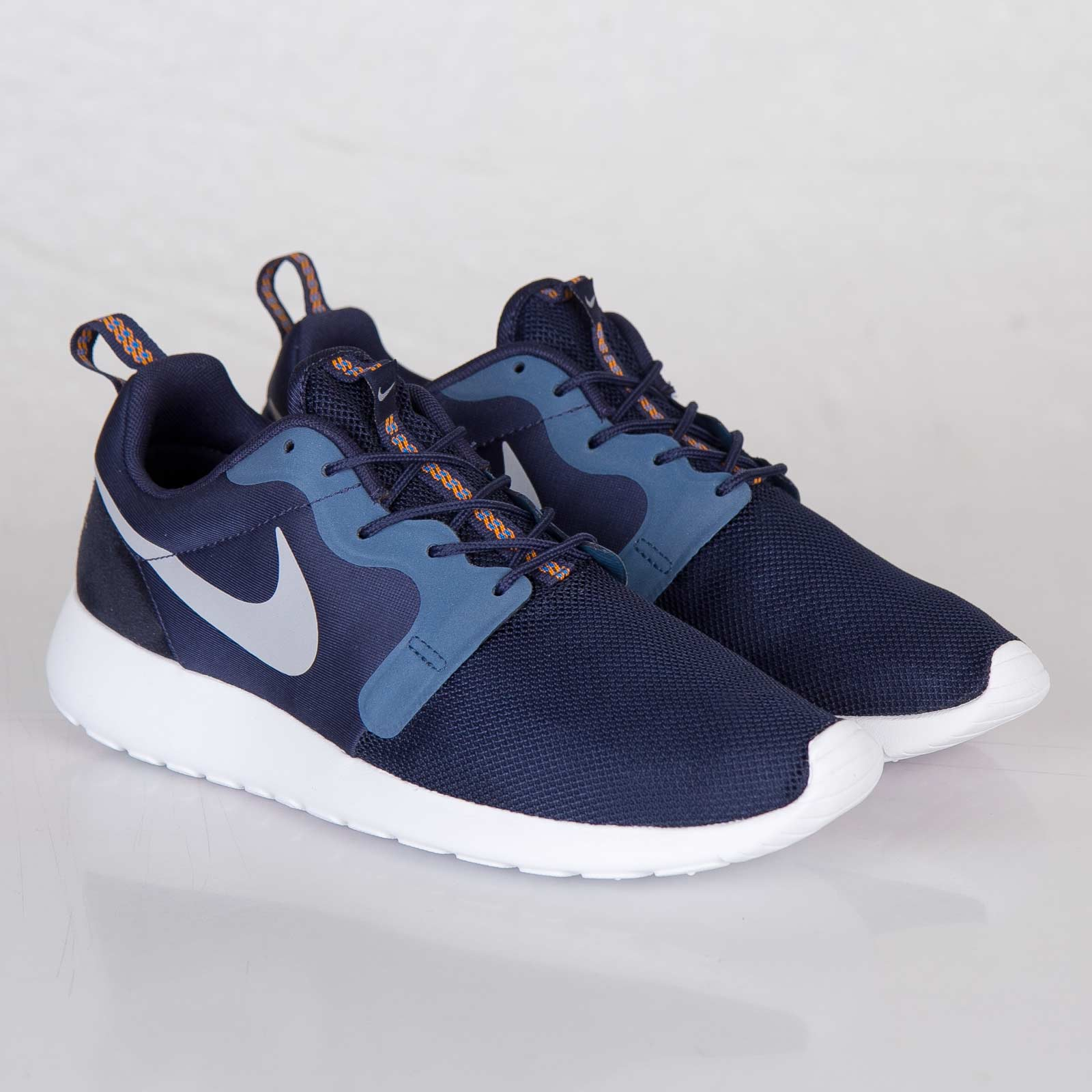 08e641f8982b Nike Roshe Run Hyperfuse - 636220-400 - Sneakersnstuff