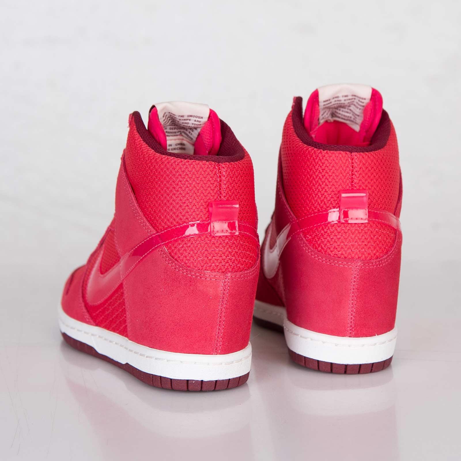 the best attitude 39fc5 f75f6 Nike Wmns Dunk Sky Hi Essential - 644877-600 - Sneakersnstuff   sneakers    streetwear online since 1999