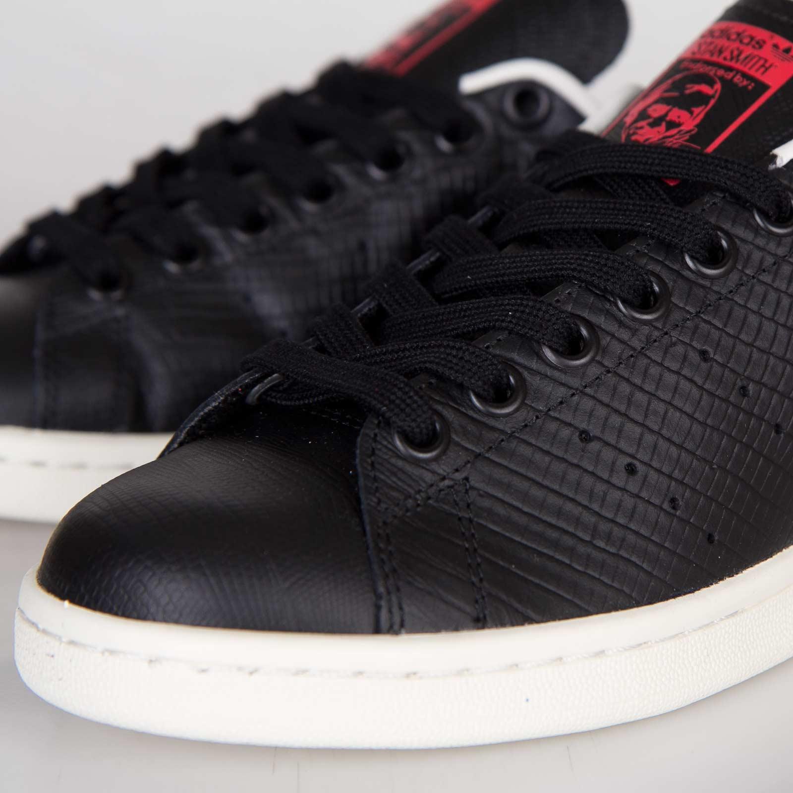 the latest 90f25 78452 adidas Stan Smith EF W - D67851 - Sneakersnstuff   sneakers   streetwear  online since 1999