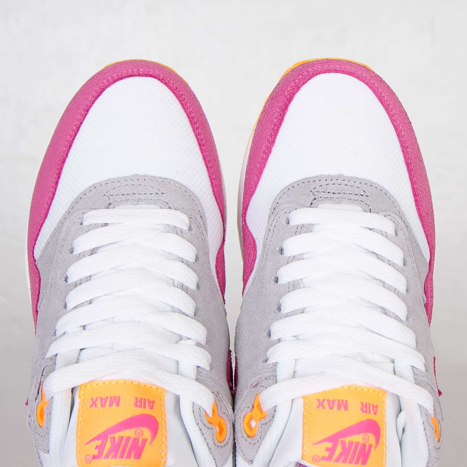 separation shoes aae6e 5a70b Nike Wmns Air Max 1 Essential - 599820-107 - Sneakersnstuff   sneakers    streetwear online since 1999