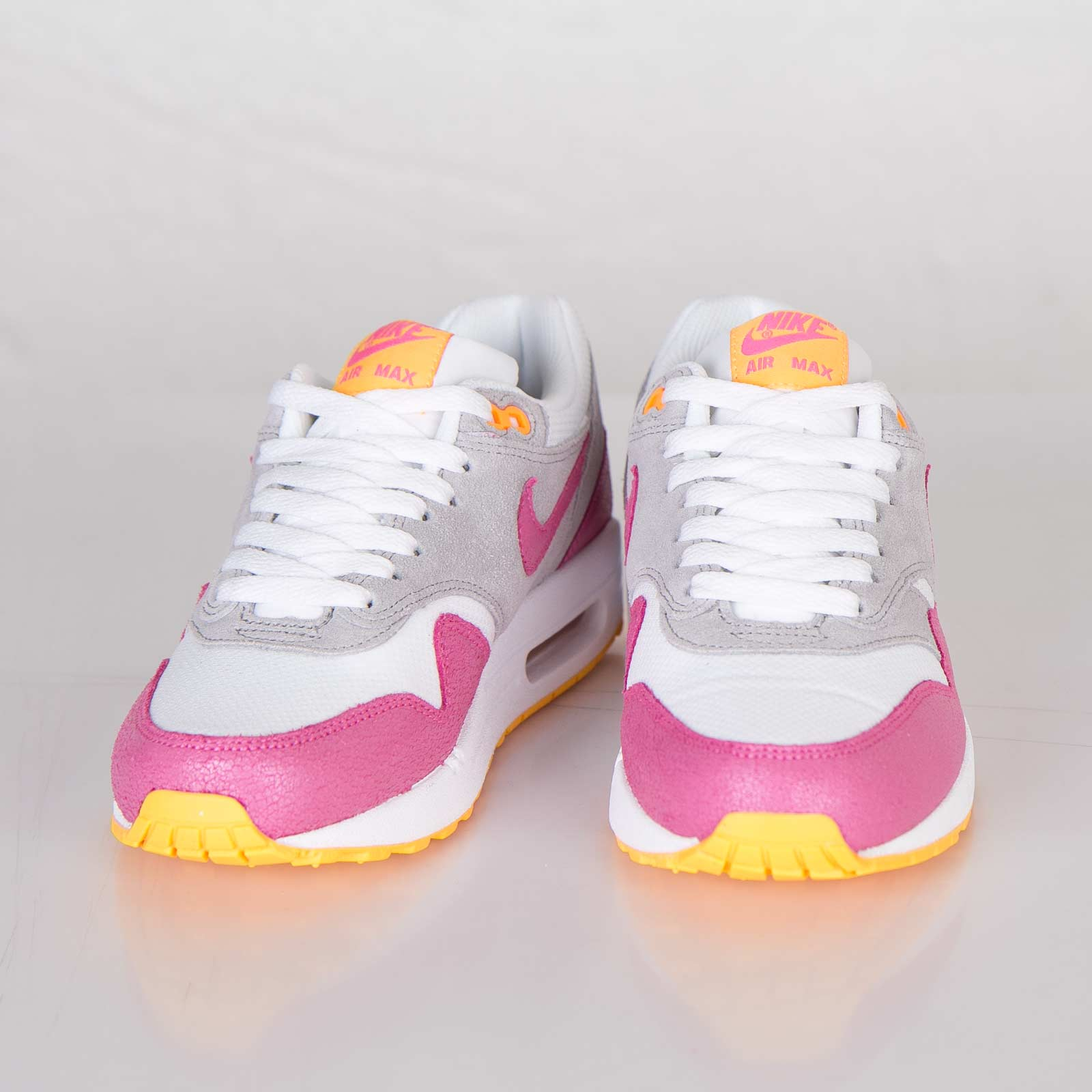 separation shoes 9f932 79d15 Nike Wmns Air Max 1 Essential - 599820-107 - Sneakersnstuff   sneakers    streetwear online since 1999