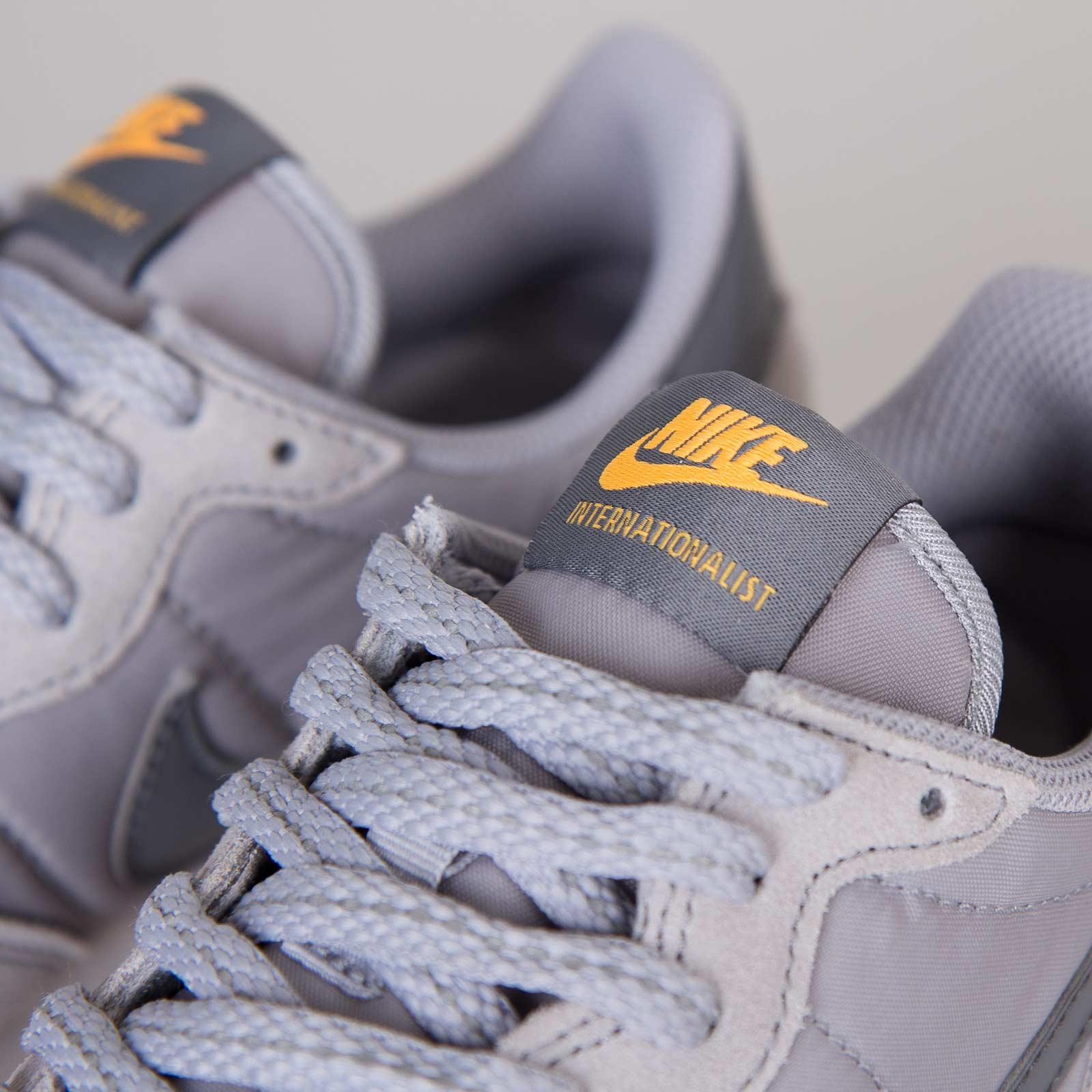 finest selection e9859 d8549 Nike Wmns Internationalist - 629684-001 - Sneakersnstuff   sneakers    streetwear online since 1999