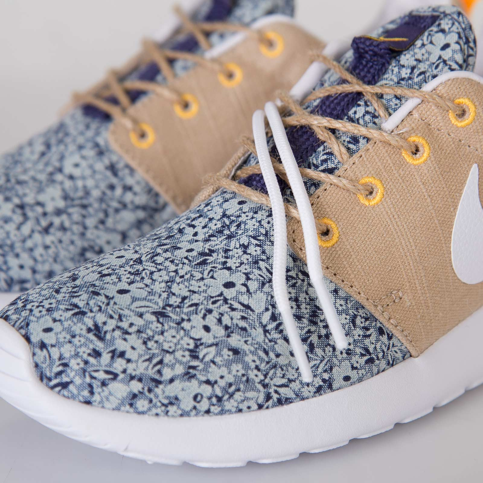 best website bc3ce 92d8f official store nike roshe run patterned liberty a3e9b a5943