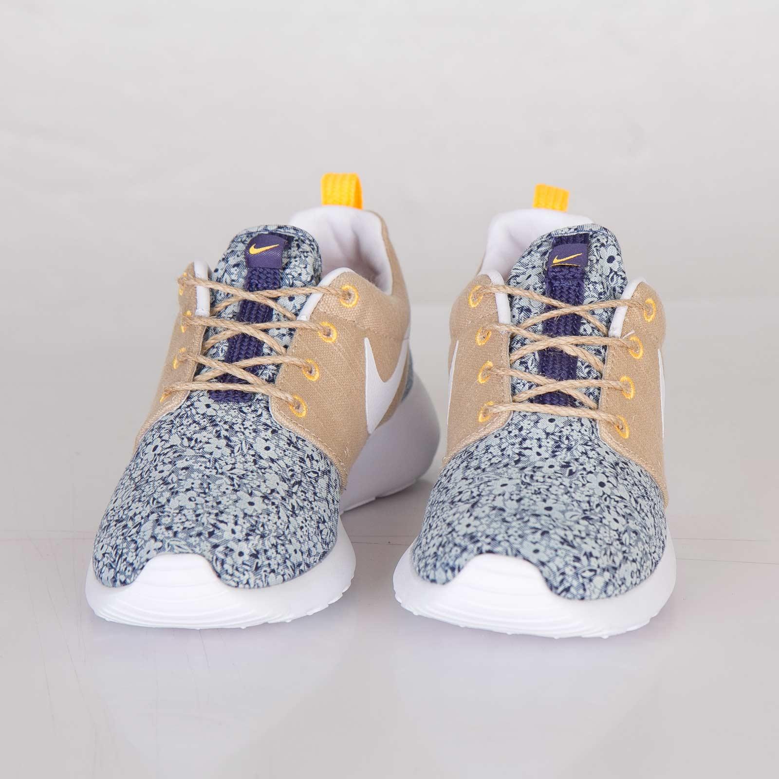 huge selection of c5034 43c6d Nike Wmns Roshe Run Liberty QS - 654165-400 - Sneakersnstuff   sneakers    streetwear online since 1999