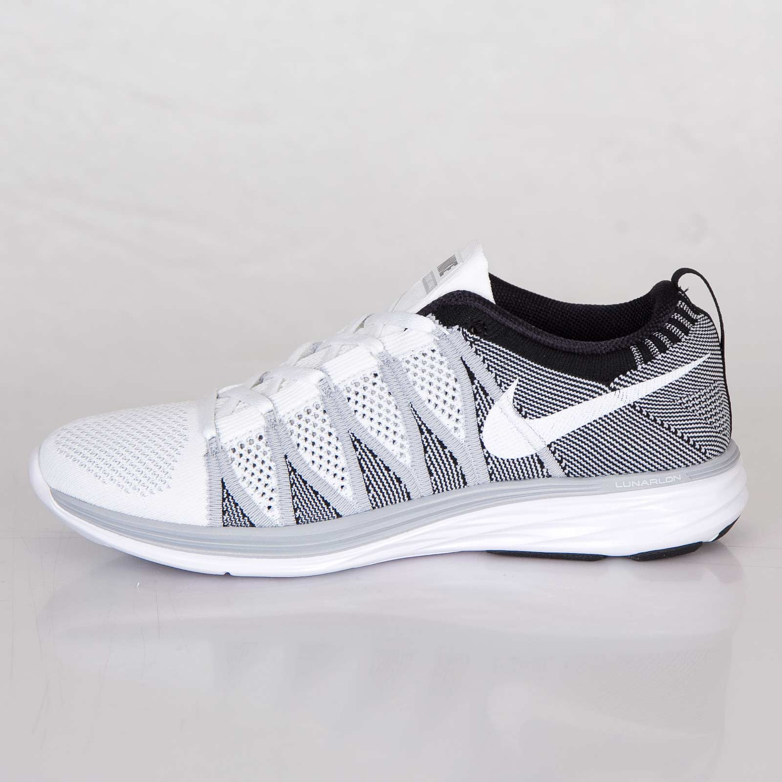official photos 07752 f8389 Nike Flyknit Lunar2 - 620465-100 - Sneakersnstuff   sneakers   streetwear  online since 1999