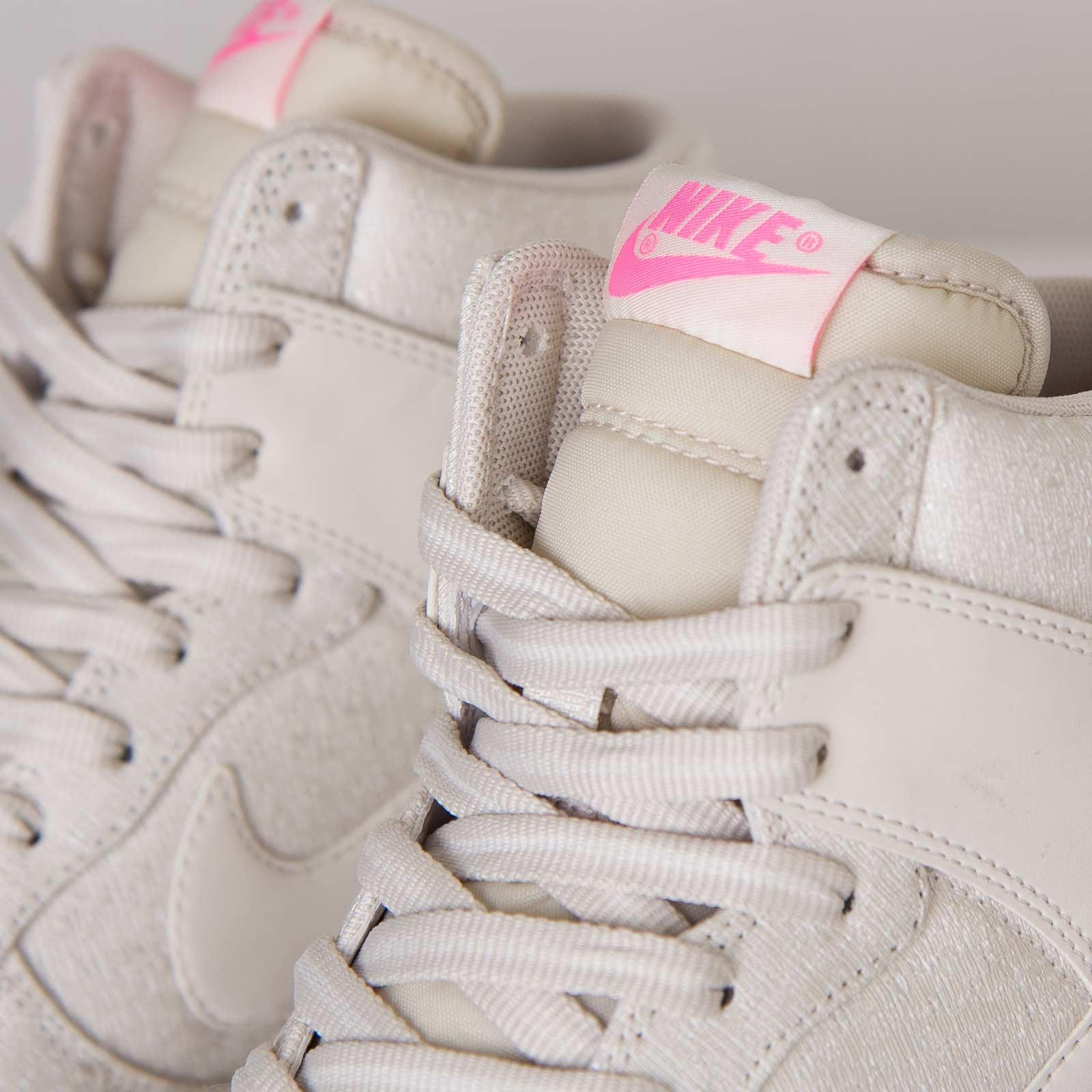 0a3b3928cd3 Nike Wmns Dunk Sky Hi Txt ... Nike Dunk Sky High TXT (Hidden Wedge Heel)  Shoes - Men s Sku 11898 ...
