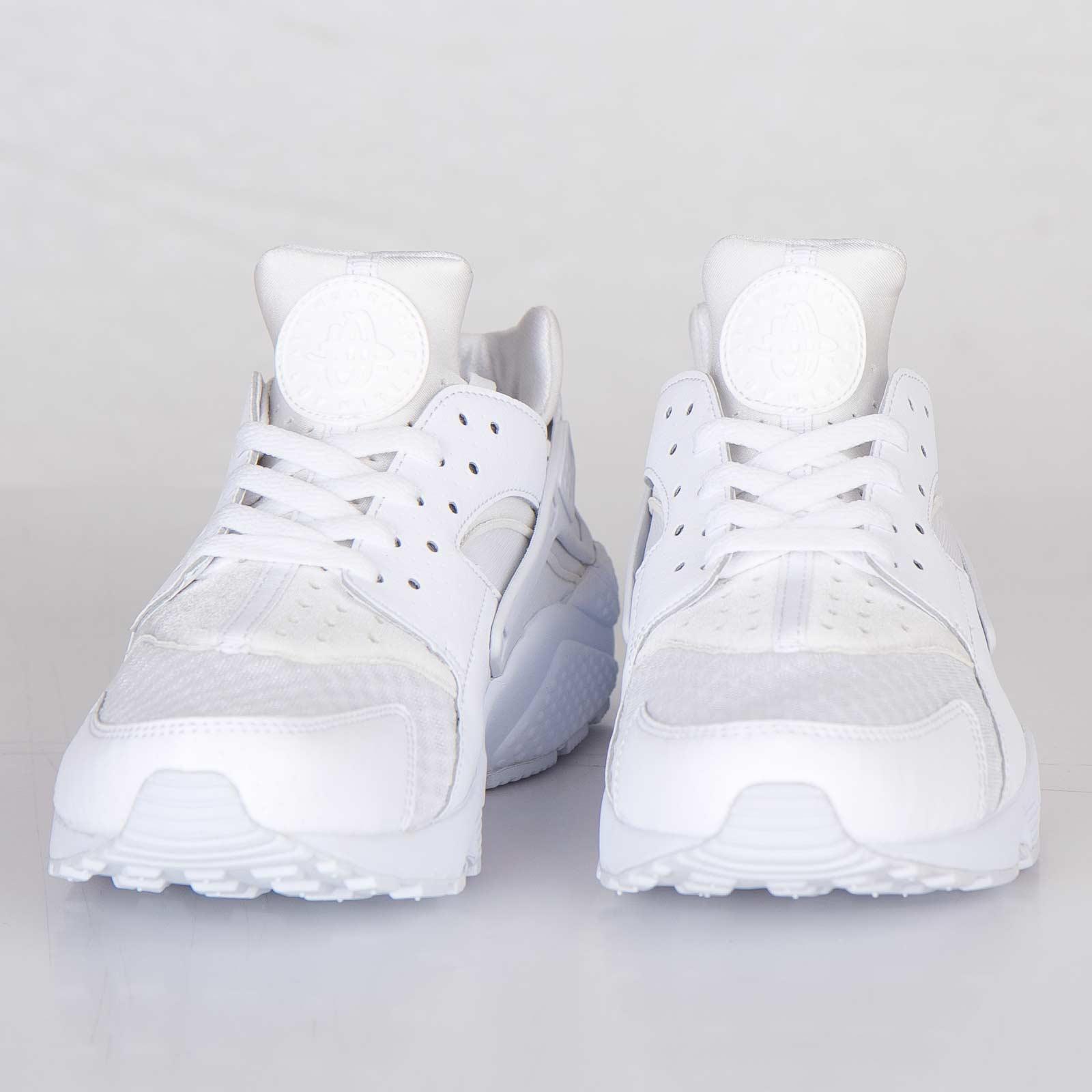 reputable site 61a89 9a966 Nike Air Huarache - 318429-111 - Sneakersnstuff   sneakers   streetwear  online since 1999