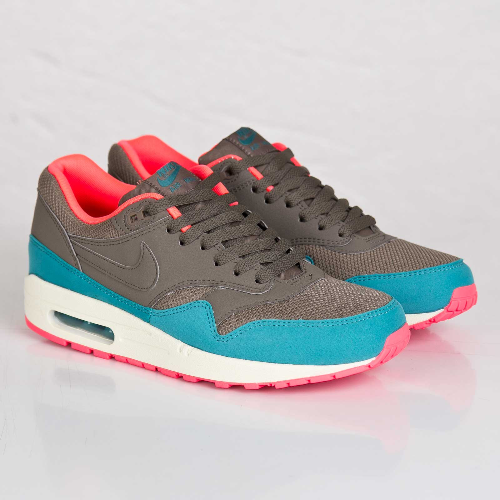 innovative design a1727 de36d Nike Air Max 1 Essential