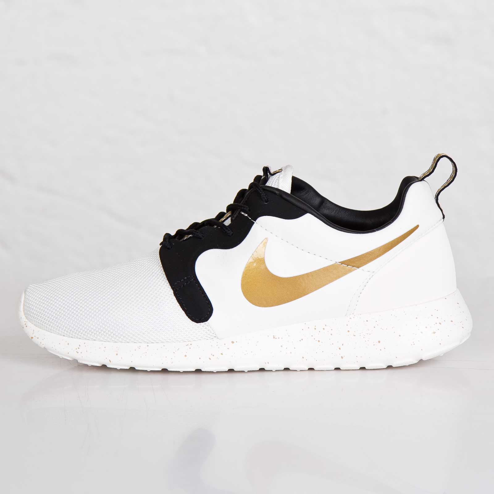3fcc8bd513337 ... gold trophy 0e480 7fc10  coupon for nike roshe run hyperfuse premium qs  11ae9 98e74