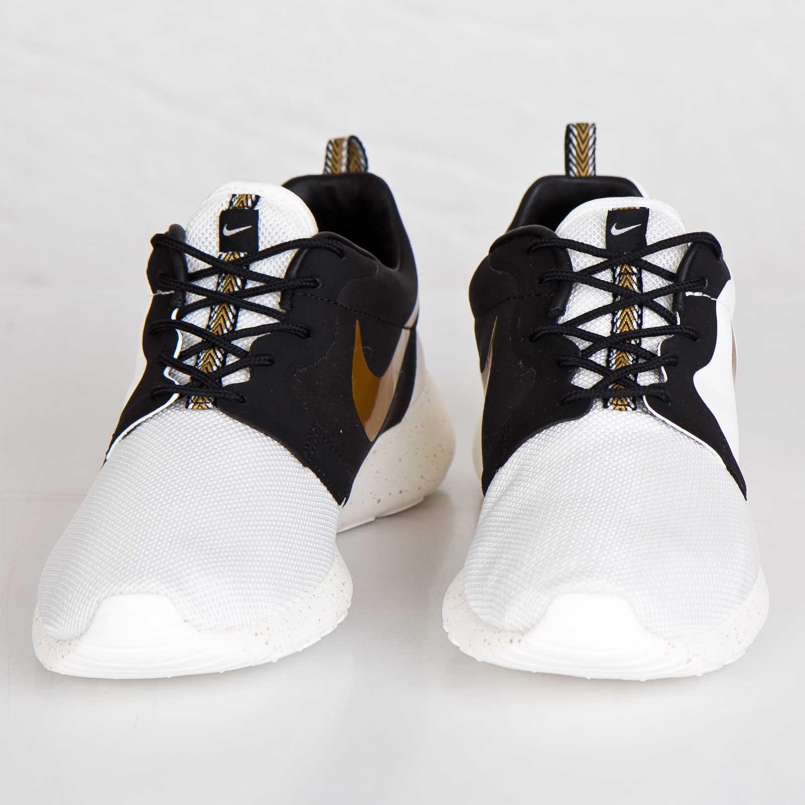 outlet store 12696 2ddd8 Nike Roshe Run Hyperfuse Premium QS - 669689-100 - Sneakersnstuff    sneakers   streetwear online since 1999