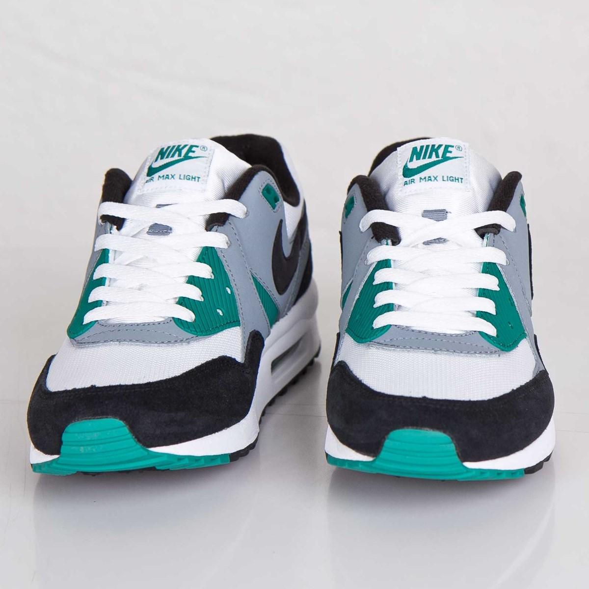 99b8aee011 Nike Air Max Light Essential - 631722-103 - Sneakersnstuff | sneakers &  streetwear online since 1999
